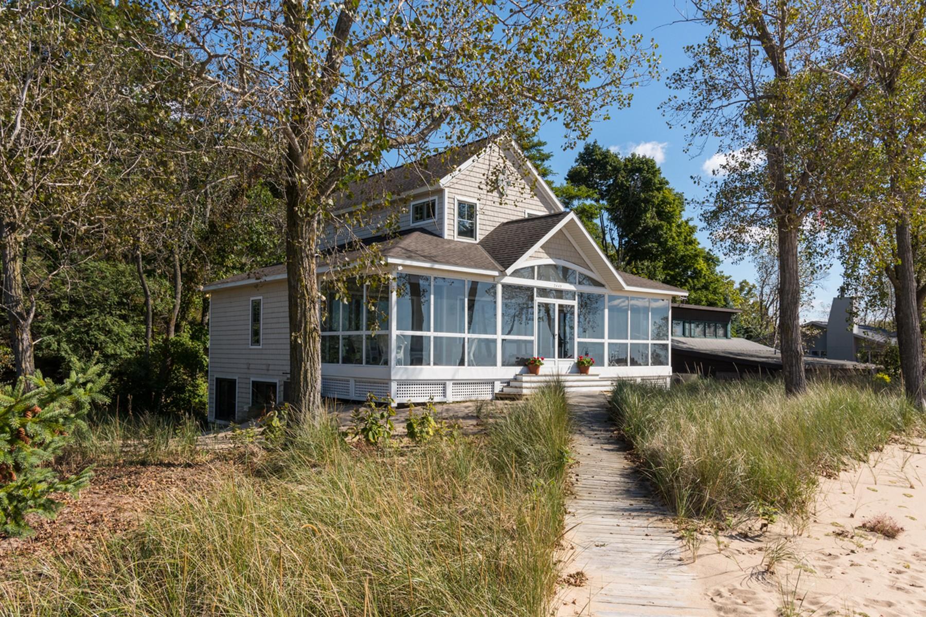 獨棟家庭住宅 為 出售 在 Striking Lake Michigan Views 2445 Lake Michigan Avenue Holland, 密歇根州, 49424 美國