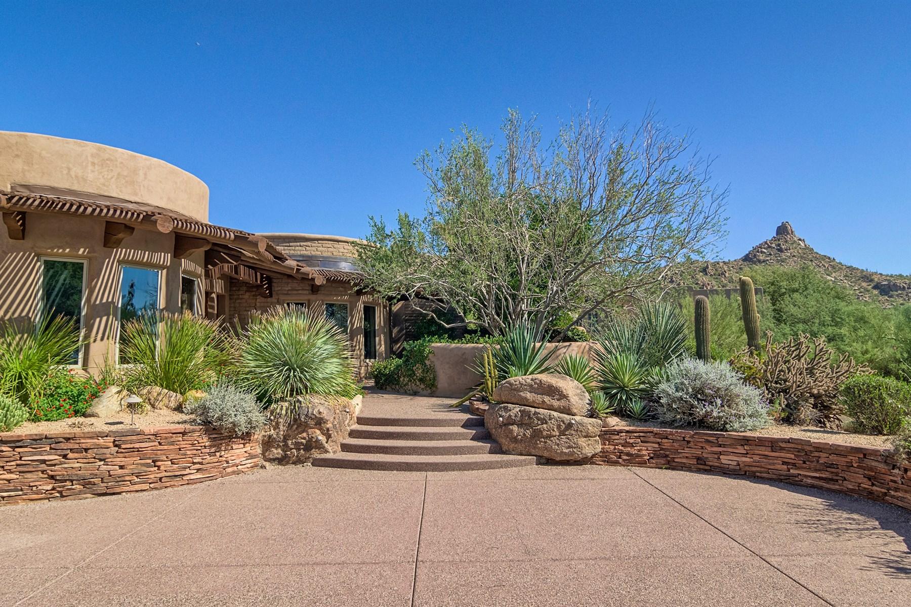 단독 가정 주택 용 매매 에 Authentic pueblo adobe home in the world renowned Estancia Golf Course 27621 N 96th Pl Scottsdale, 아리조나, 85262 미국