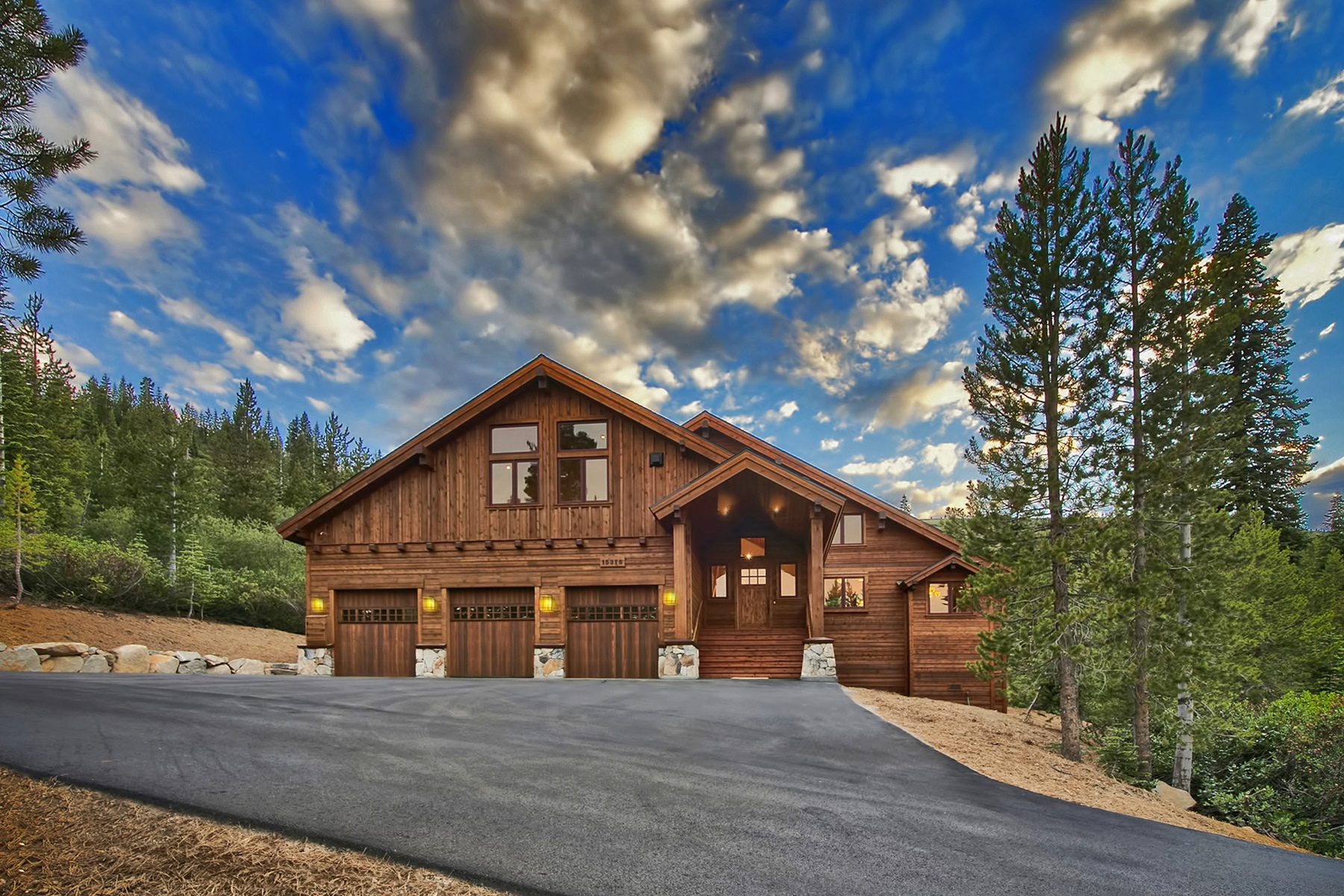 Single Family Home for Active at 15376 Skislope Way Truckee, California 96161 United States