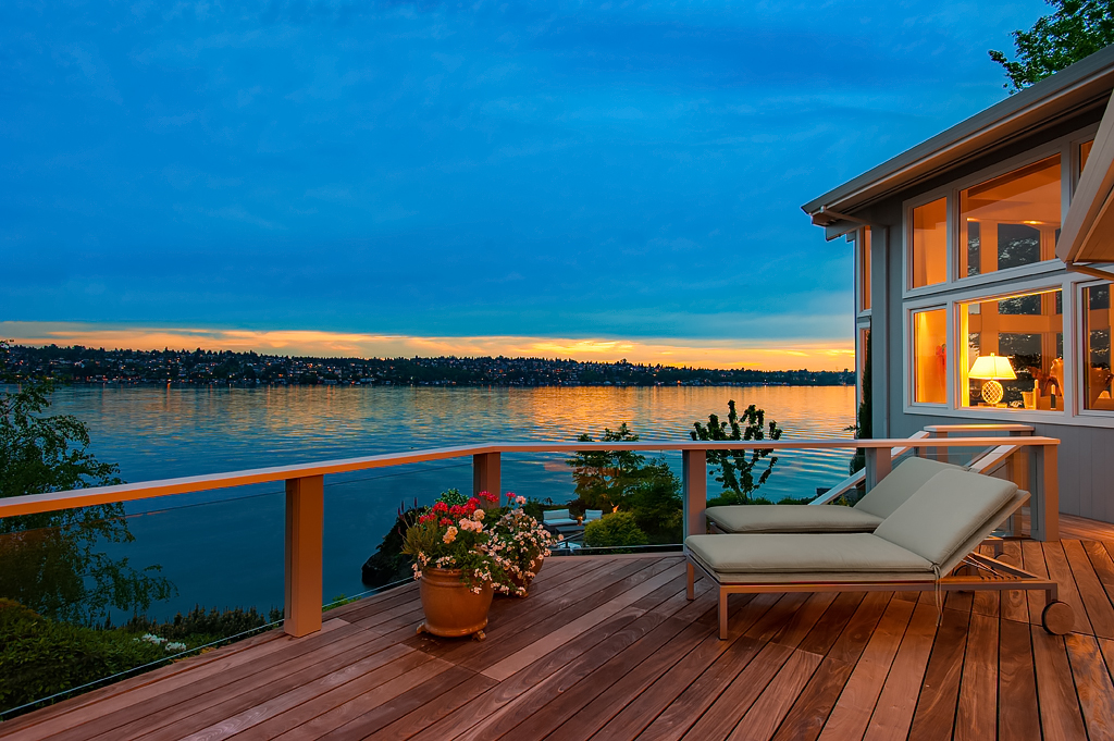 sales property at Iconic Mercer Island Waterfront