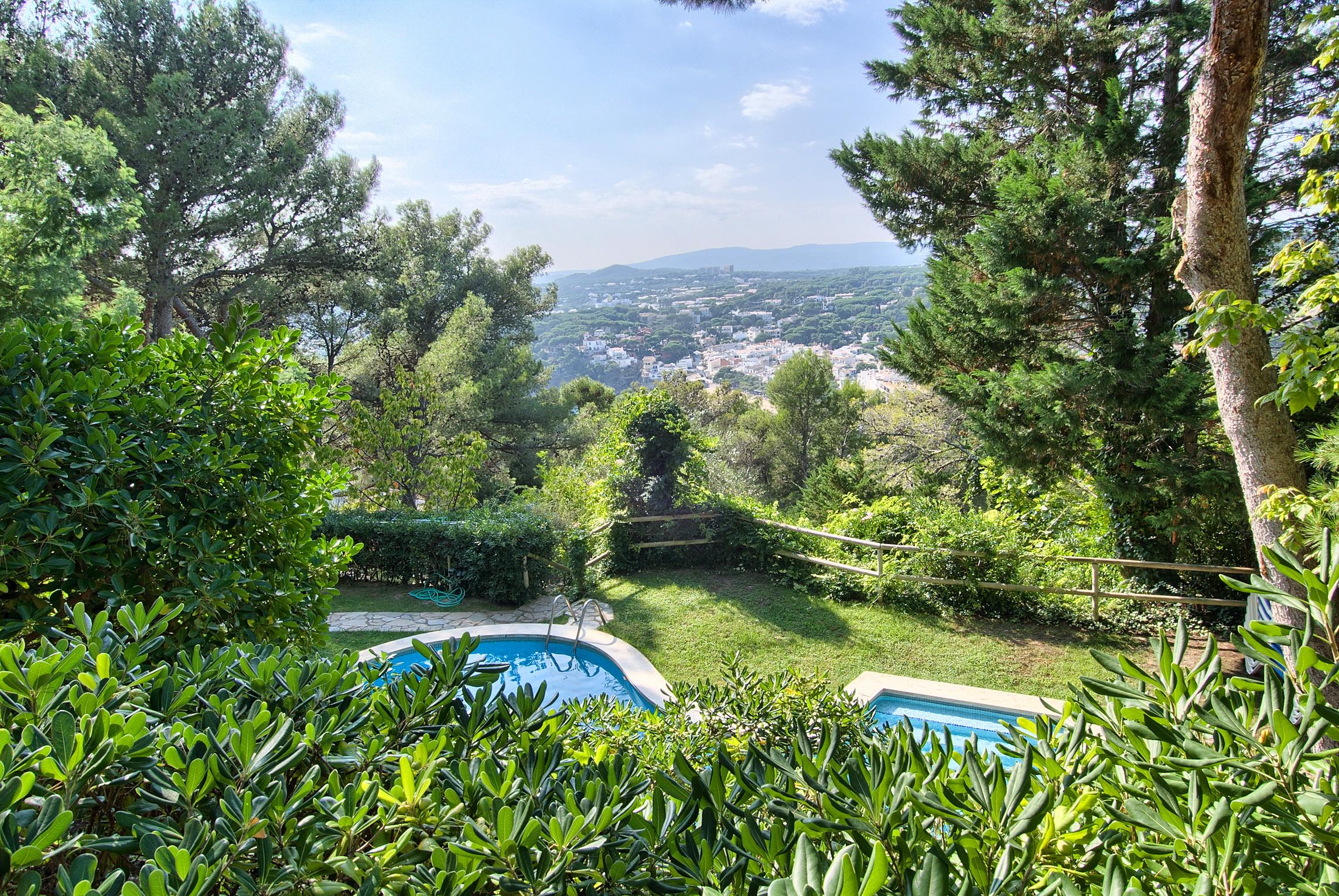 Nhà ở một gia đình vì Bán tại House in Llafranc with sea views, walking distance to the beach Llafranc, Costa Brava 17200 Tây Ban Nha