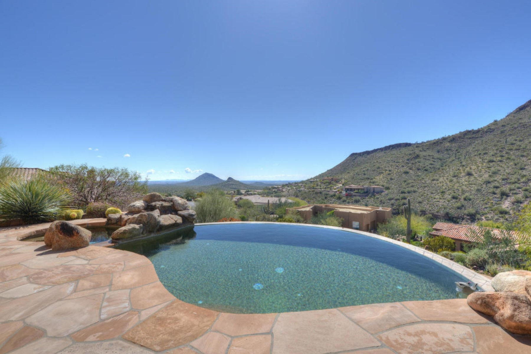Single Family Home for Sale at Elegant, exclusive, and perched for privacy 9635 N SOLITUDE CYN Fountain Hills, Arizona, 85268 United States