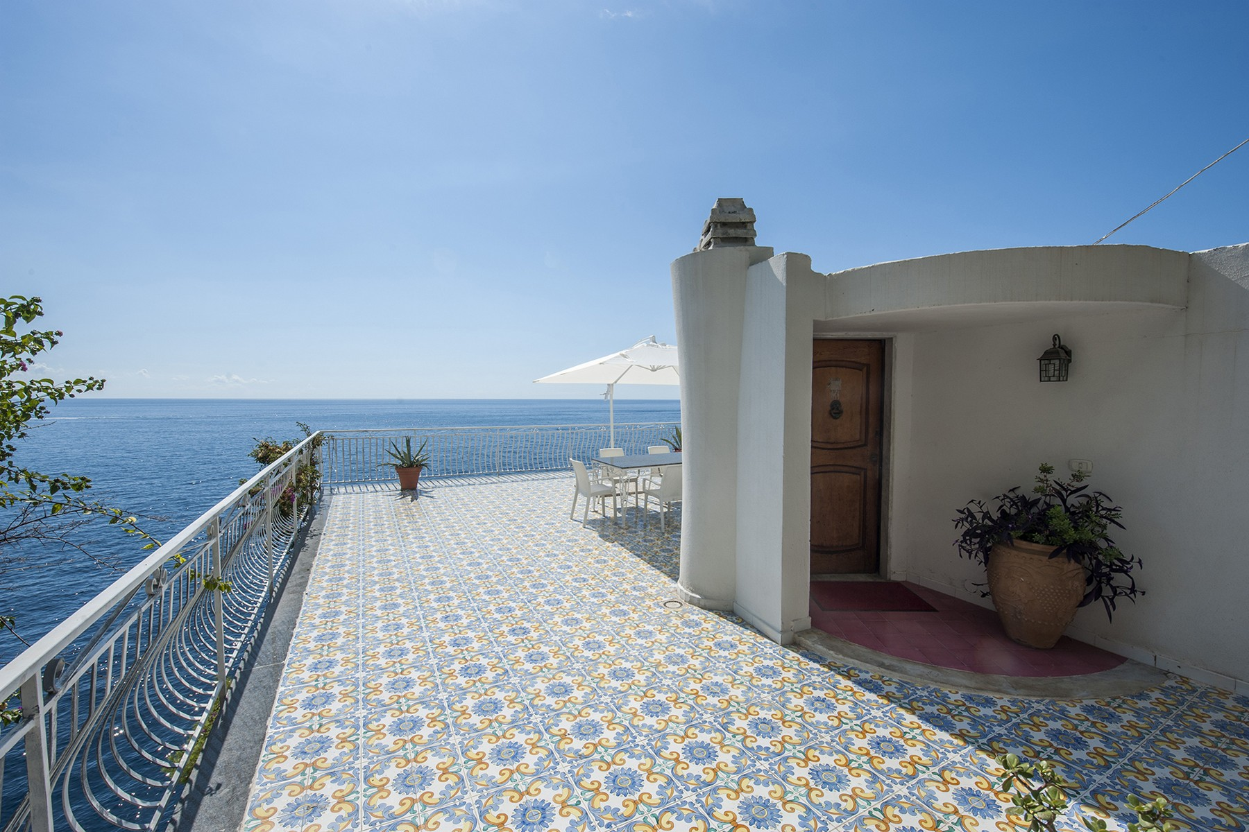 "Vivienda unifamiliar por un Venta en Villa ""Pieds dans l-eau"" on the Amalfi Coast Conca Dei Marini, Salerno Italia"