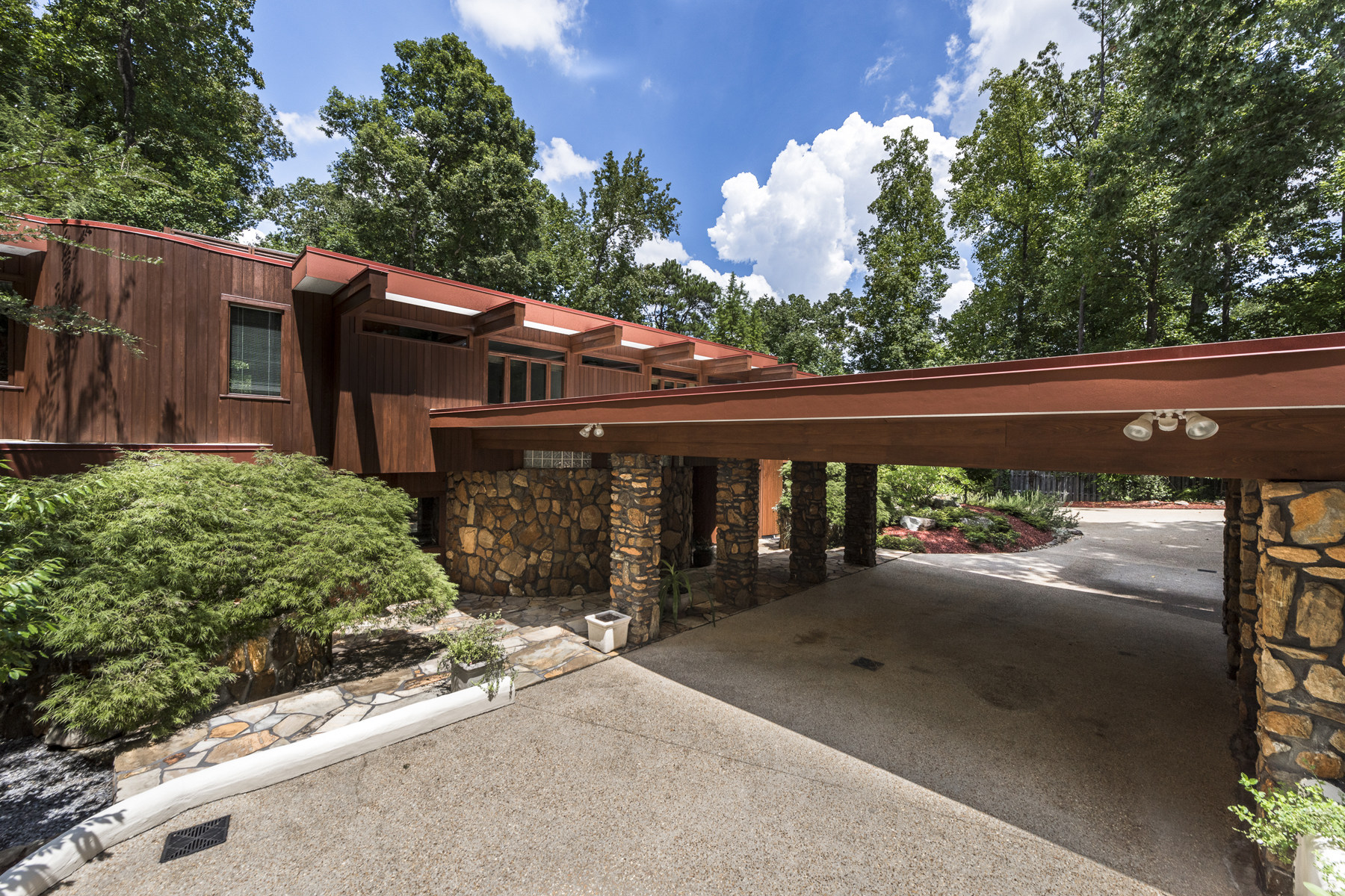 Additional photo for property listing at Contemporary Oasis On Lakefront Lot 3604 Prestwick Drive Tucker, Γεωργια 30084 Ηνωμενεσ Πολιτειεσ