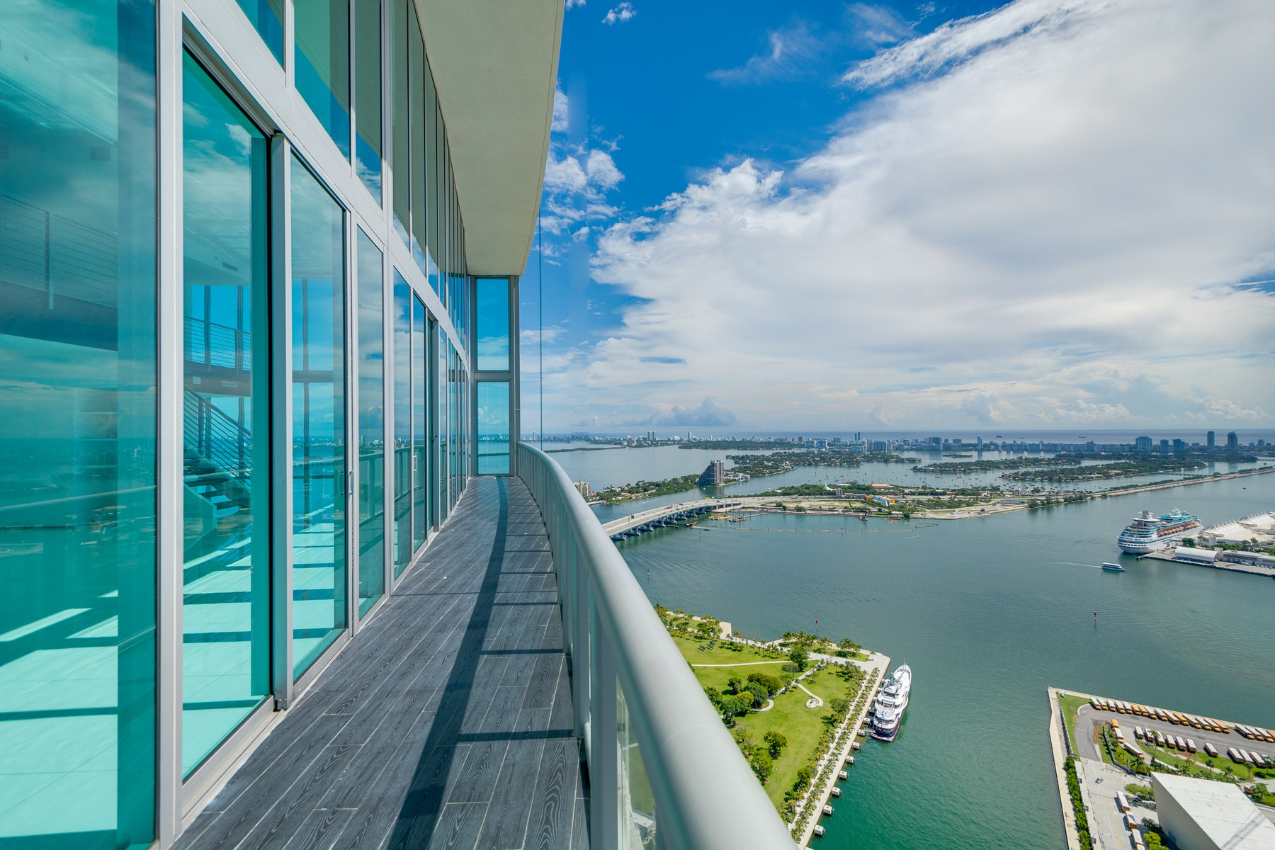 Property For Sale at 888 Biscayne Blvd #5708