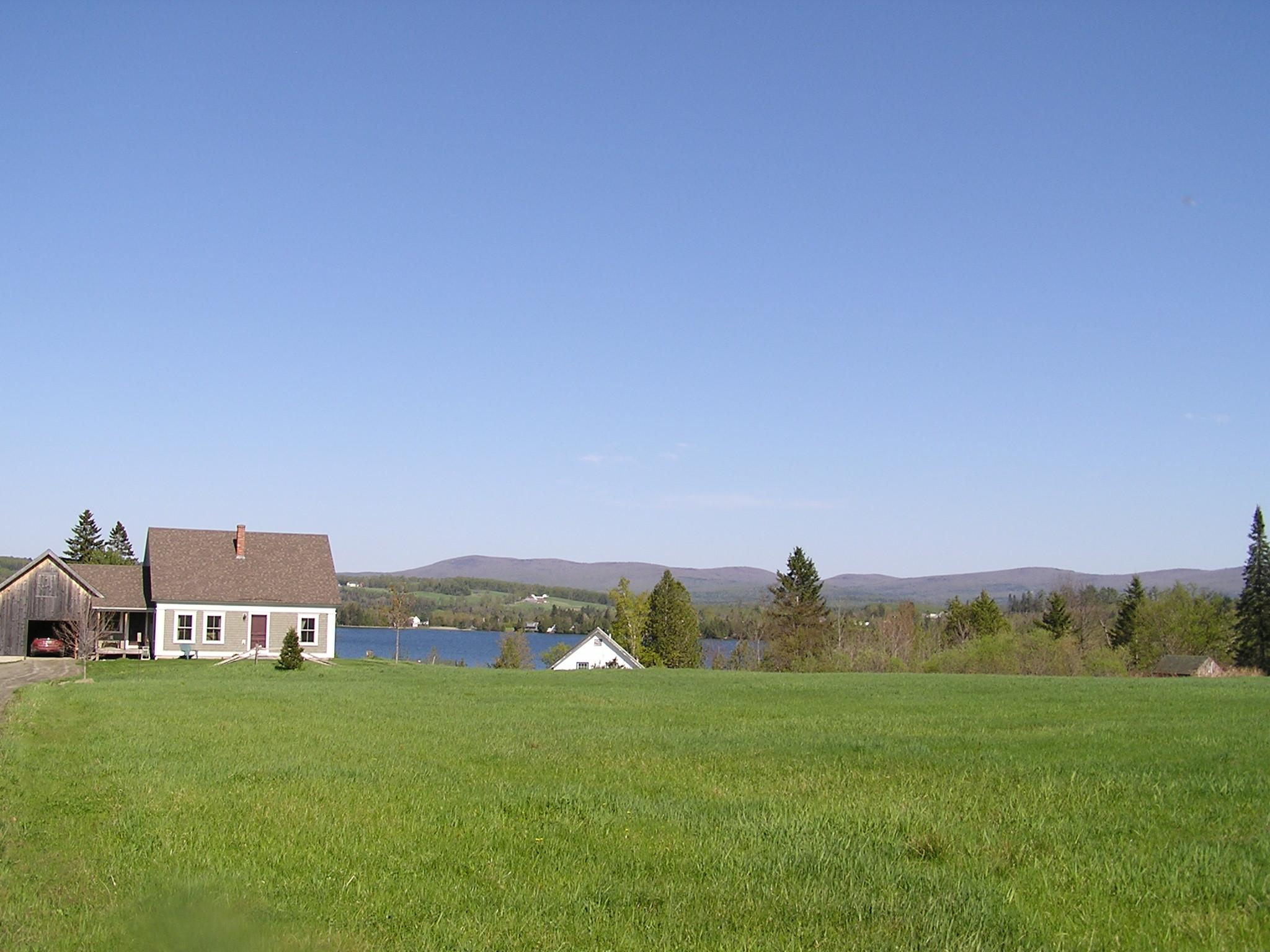 Casa Unifamiliar por un Venta en 966 Lake Shore Road, Greensboro 966 Lake Shore Rd Greensboro, Vermont 05841 Estados Unidos