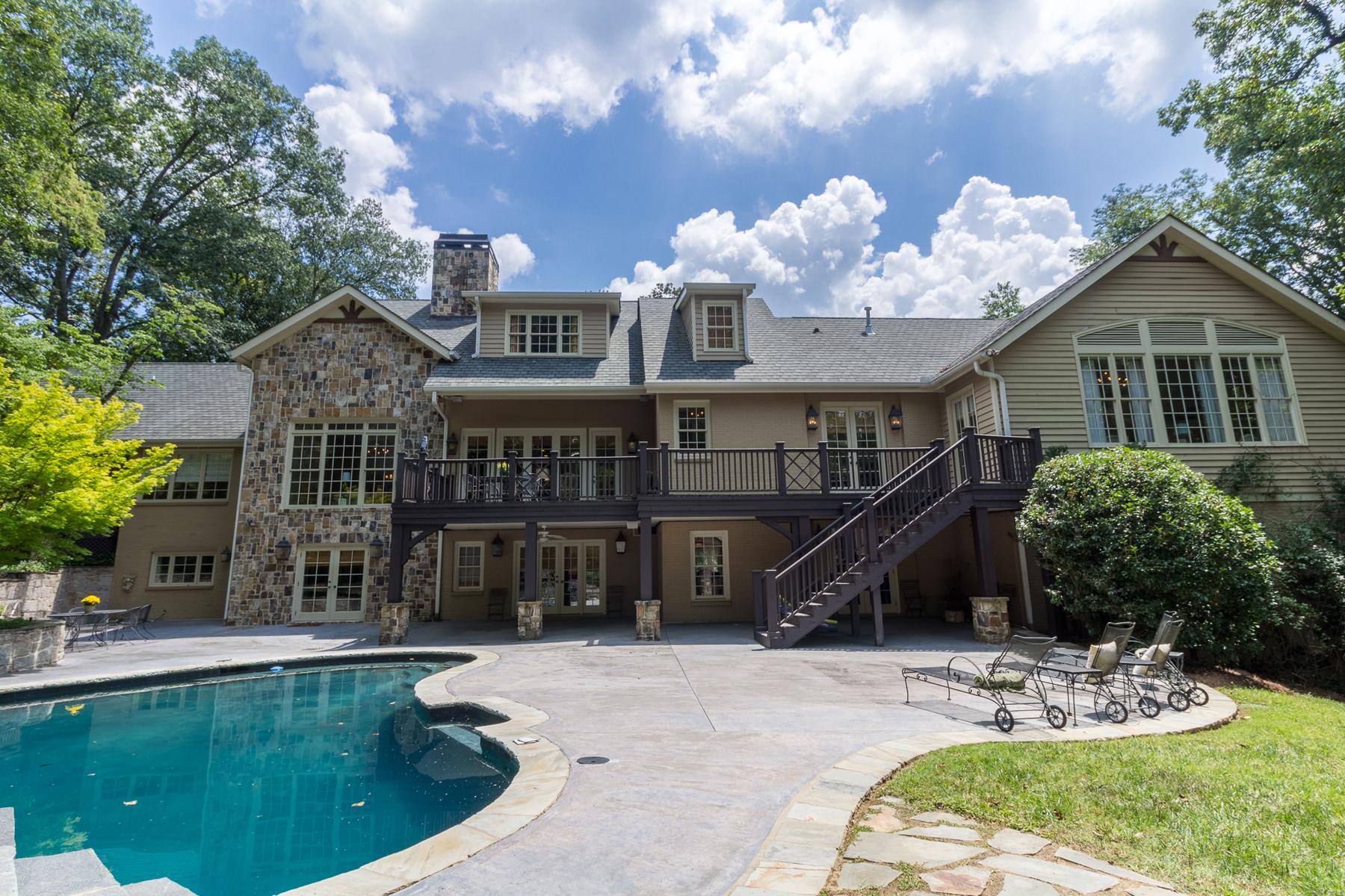 Casa para uma família para Venda às Spacious European Country Estate 3290 Ridgewood Road NW Paces, Atlanta, Geórgia, 30327 Estados Unidos