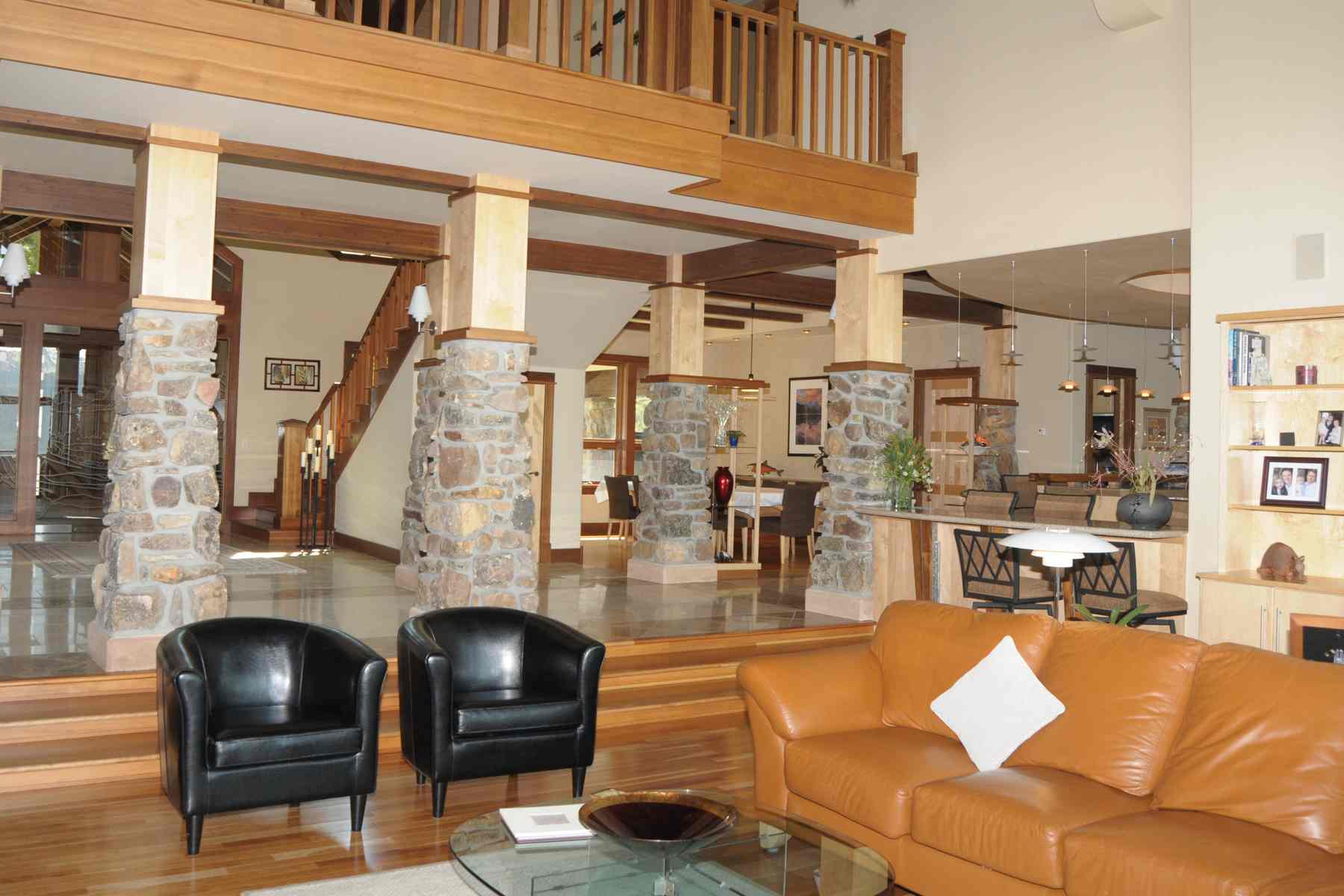 Additional photo for property listing at Elegant Sawtooth Home 300 Decker View Ln 斯坦利, 爱达荷州 83278 美国