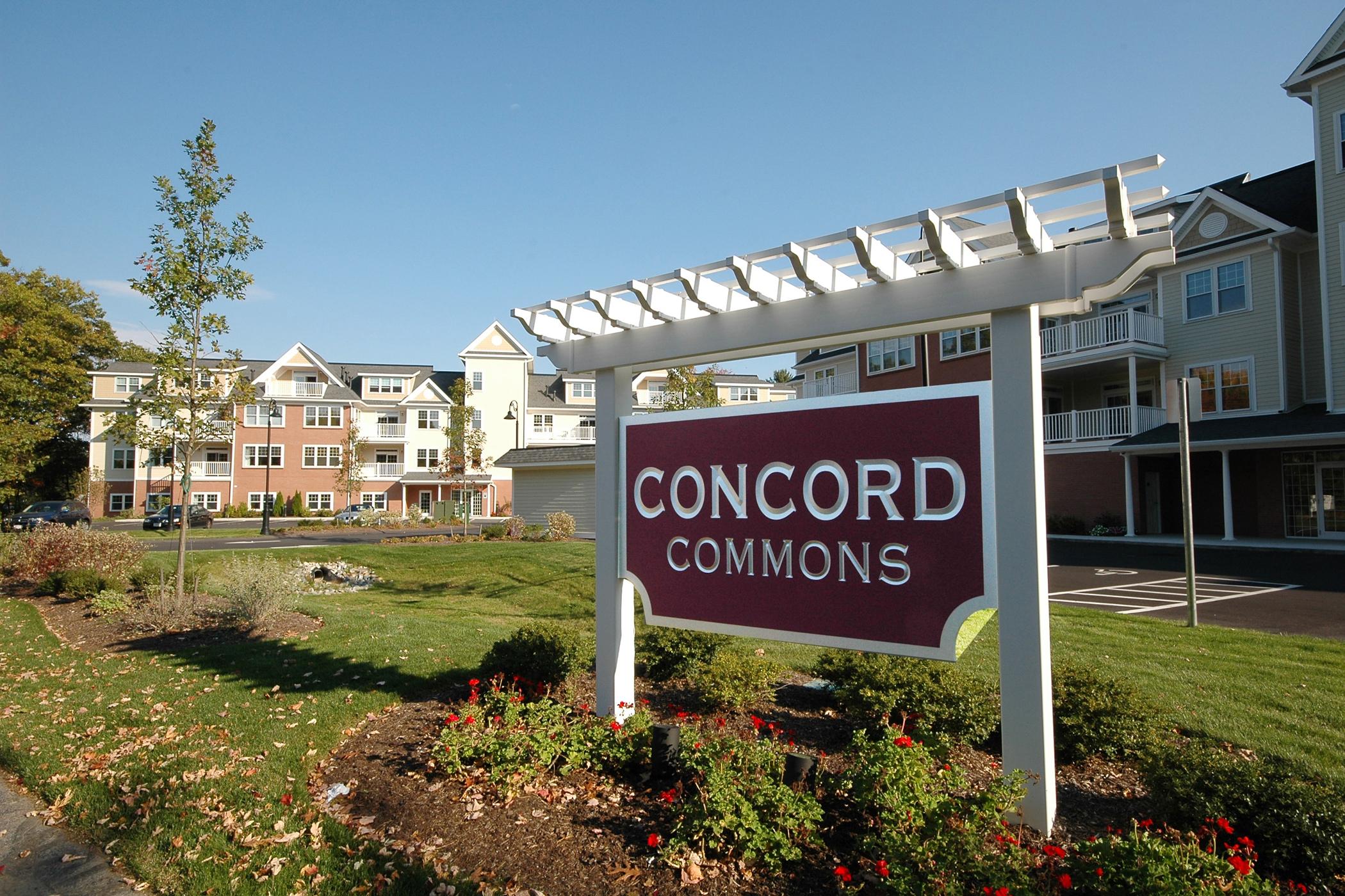 Condomínio para Venda às Walk to West Concord 95 Conant St - Unit 221 Concord, Massachusetts, 01742 Estados Unidos