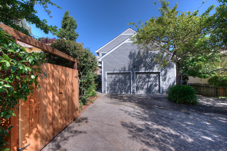 Copropriété pour l Vente à City Convenience Suburban Comforts 614 Wateree Street Sausalito, Californie, 94965 États-Unis