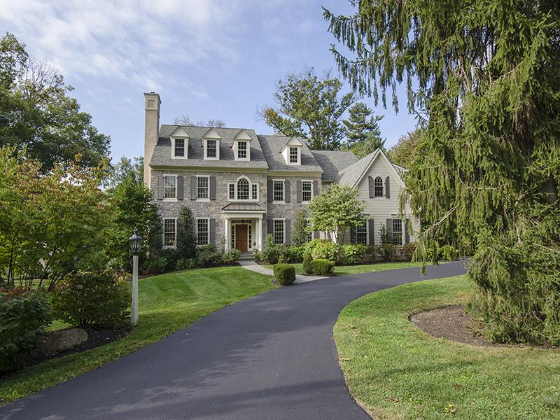 Частный односемейный дом для того Продажа на Prestigious Radnor Colonial 314 Edgehill Road Narberth, Пенсильвания, 19072 Соединенные Штаты