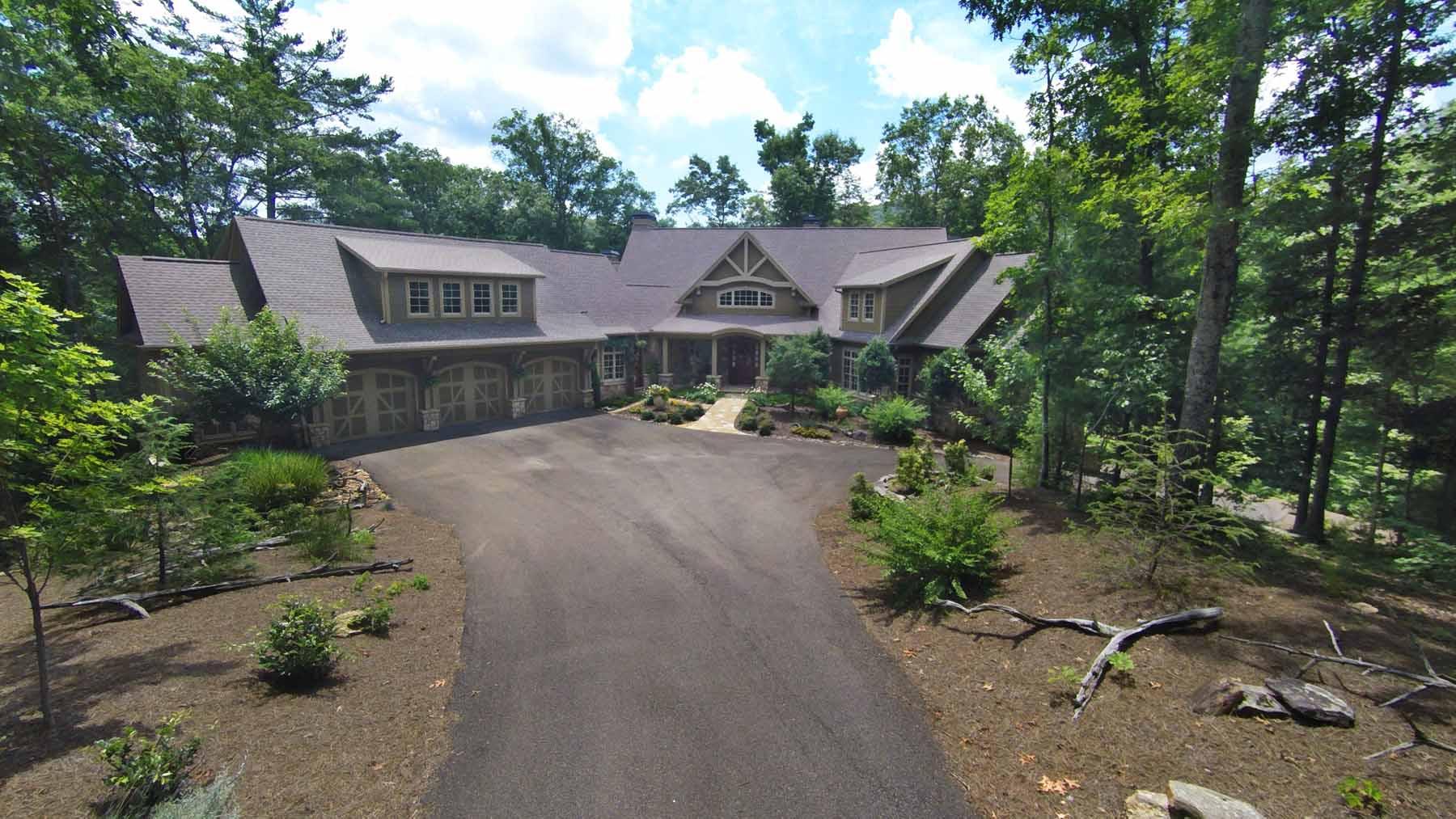 Maison unifamiliale pour l Vente à Retreat to the Extraordinary 928 Black Bear Trail Big Canoe, Georgia 30143 États-Unis