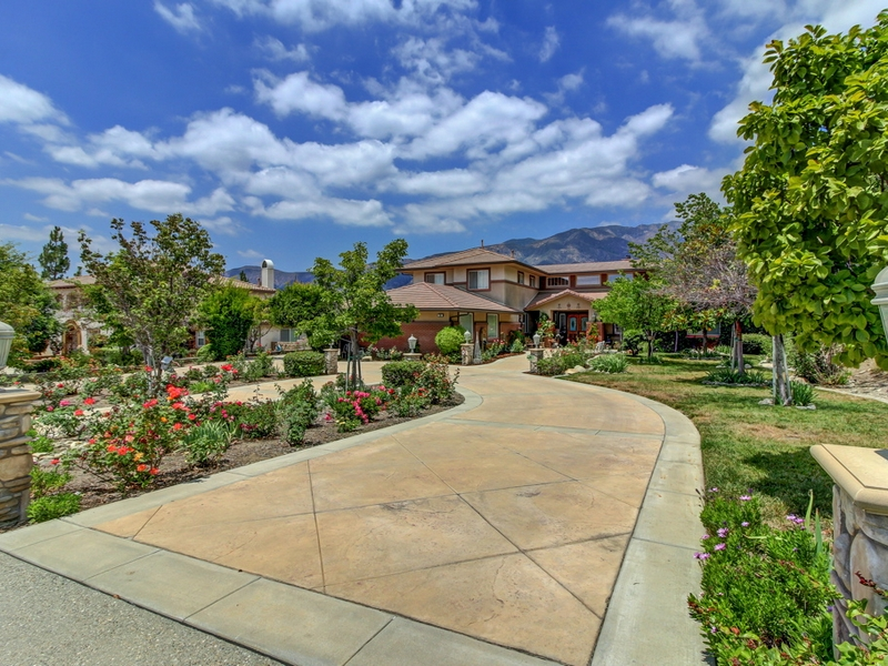 Single Family Home for Sale at 991 Olympic Court Claremont, California 91711 United States