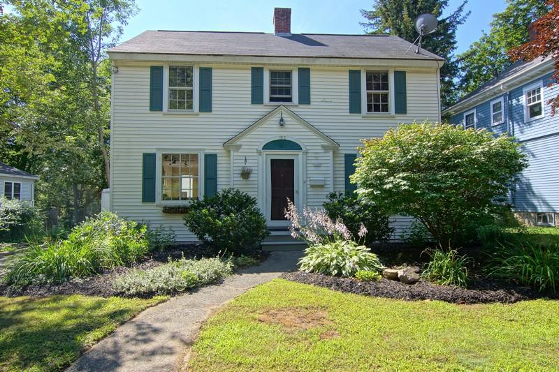 Villa per Vendita alle ore 782 Middle Road Portsmouth, New Hampshire 03801 Stati Uniti