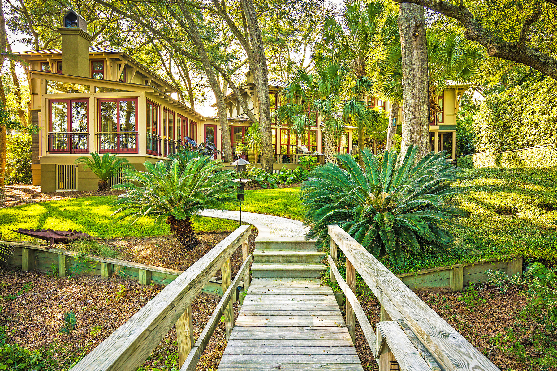 Einfamilienhaus für Verkauf beim Captivating Waterfront Estate Close to Downtown 672 Ellis Oak Drive Charleston, South Carolina, 29412 Vereinigte Staaten