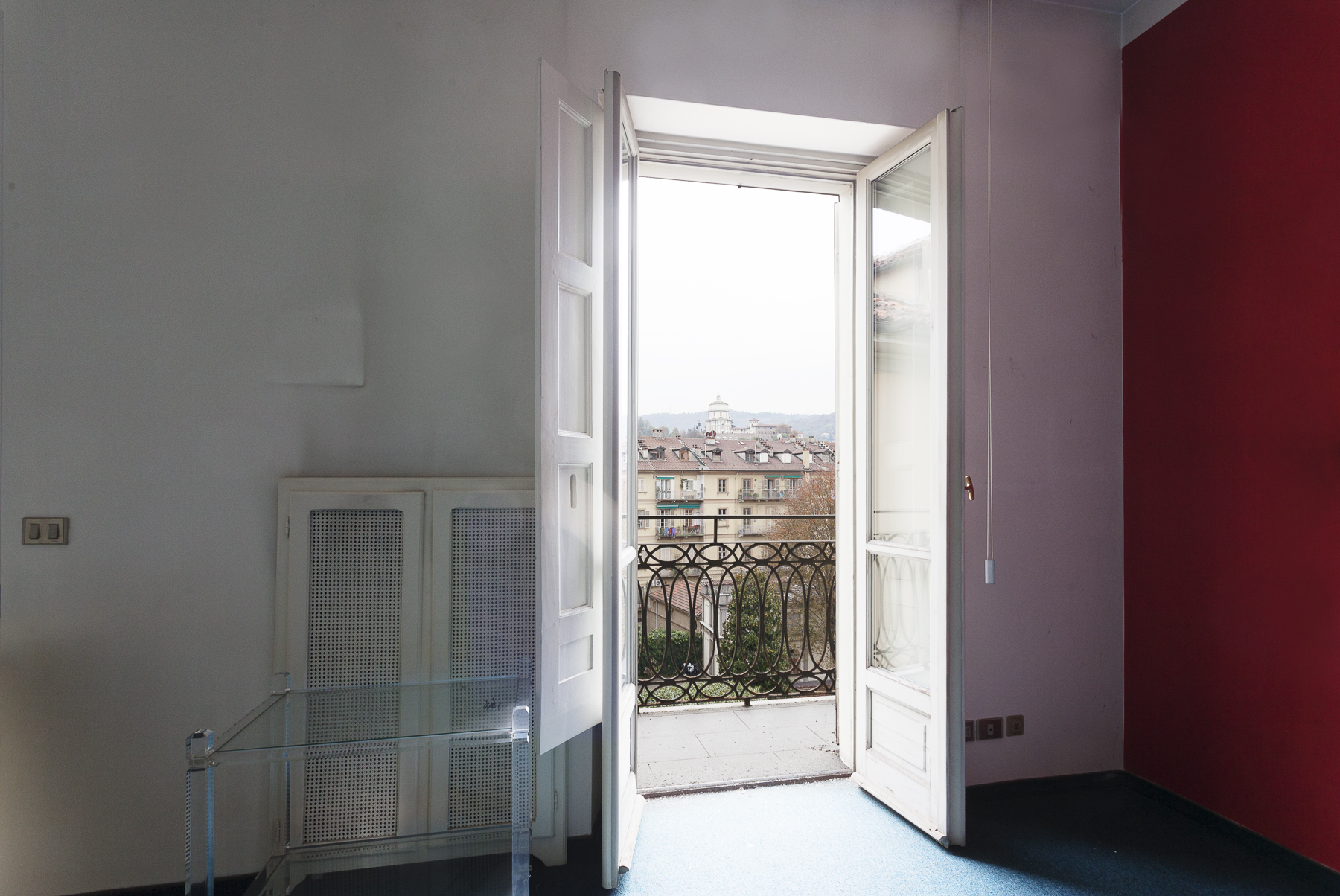 Additional photo for property listing at Bright Apartment with overlooking Mole Antonelliana and Cappuccini Via Maria Vittoria Turin, Turin 10123 Italien