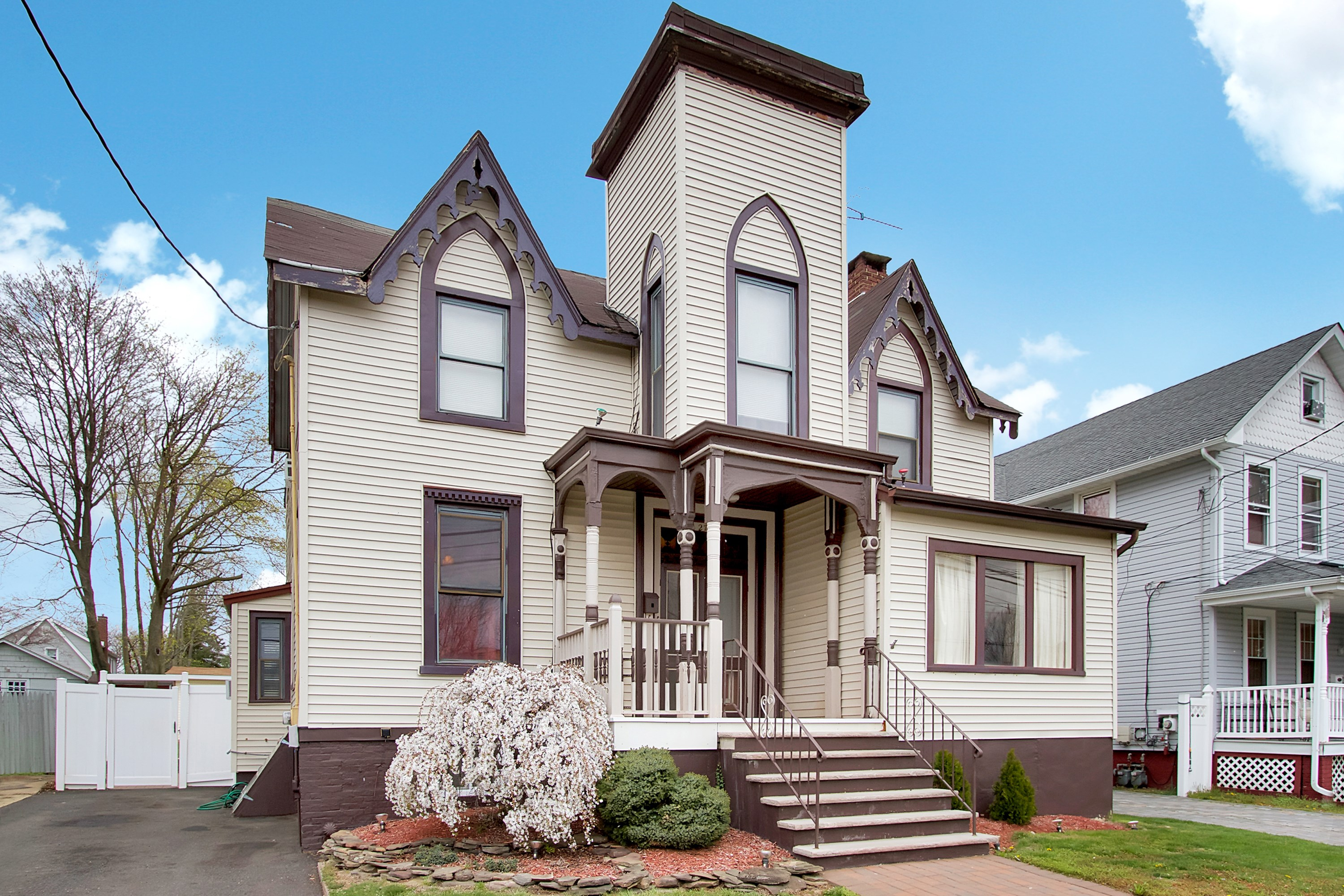 sales property at Old World meets New in this charming Victorian Colonial