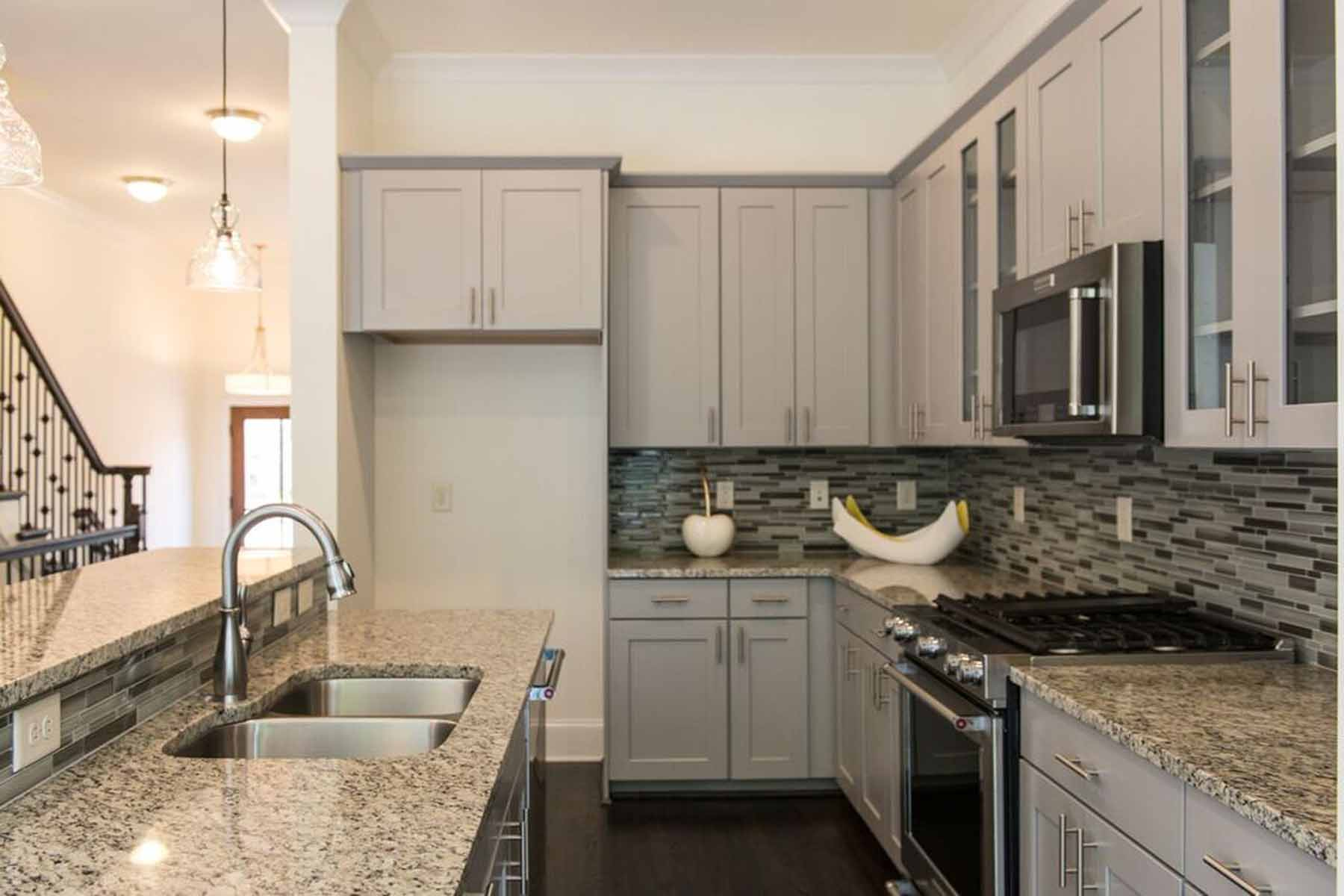 Additional photo for property listing at Brand New Townhomes near Emory 1212 Virginia Court NE Unit 206 Atlanta, 喬治亞州 30306 美國