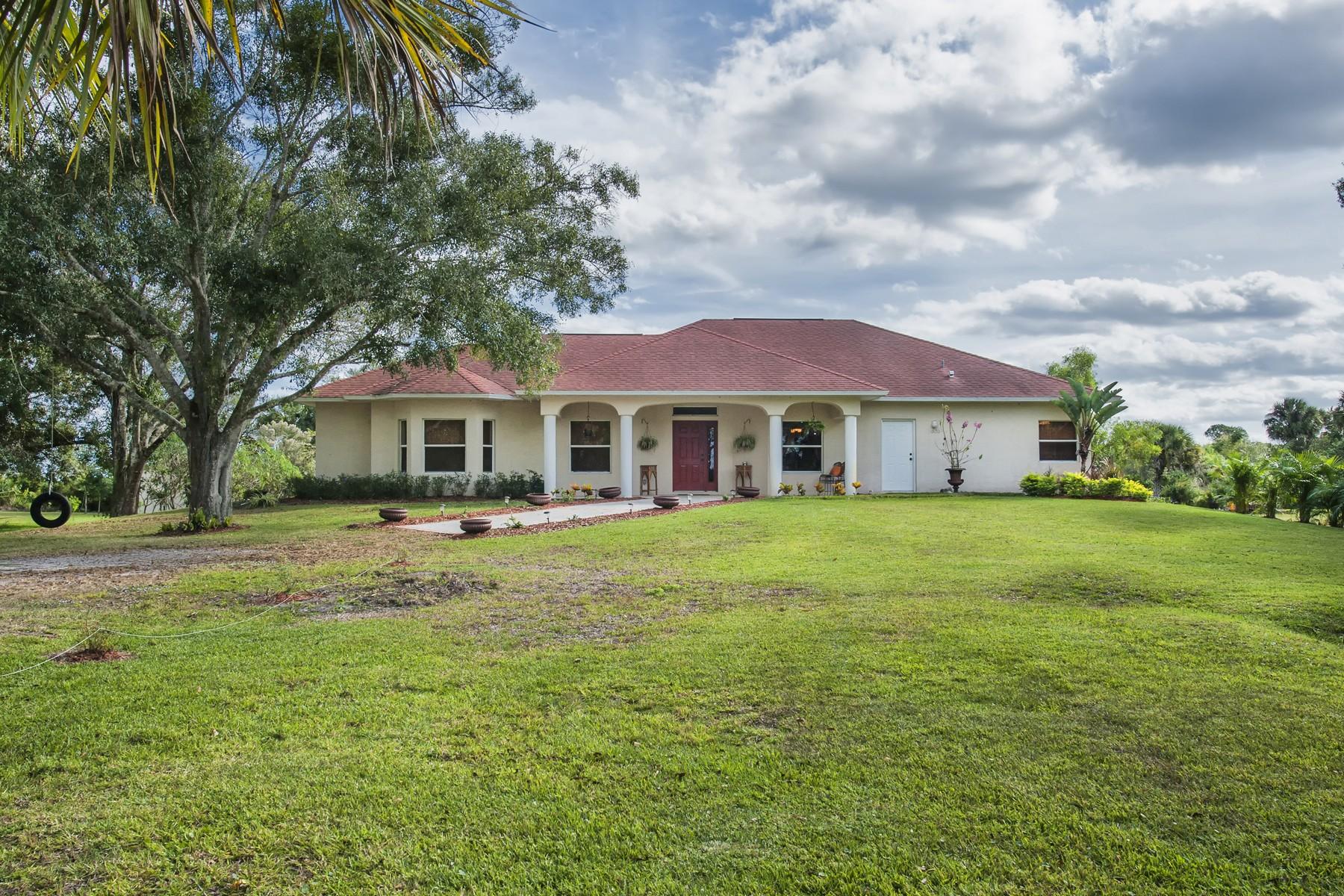 단독 가정 주택 용 매매 에 Delightful Country Home with Guest House 1020 66th Avenue Vero Beach, 플로리다 32966 미국