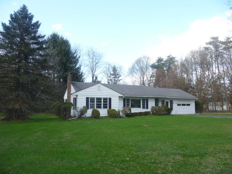 獨棟家庭住宅 為 出售 在 Ranch with Excellent Farmland 1737 NY State Route 9 Stuyvesant, 紐約州 12173 美國