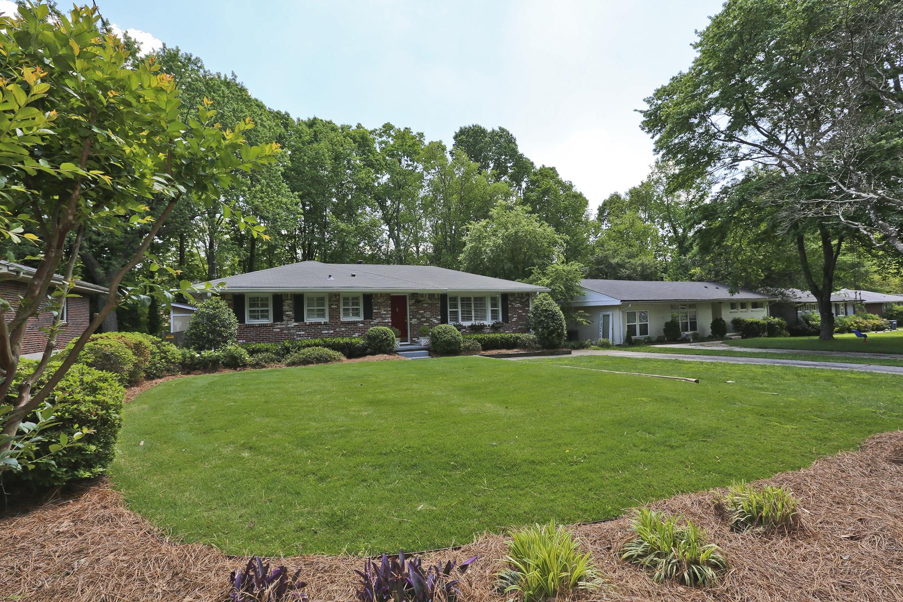 단독 가정 주택 용 매매 에 Fully Renovated Ranch In Brookhaven 2066 Drew Valley Road Atlanta, 조지아 30319 미국