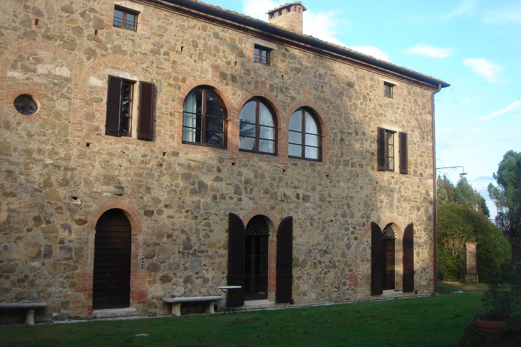 Additional photo for property listing at Beautiful XVI century villa in Siena countryside Montalcino-Val D'Orcia Montalcino, Siena 53024 Italia