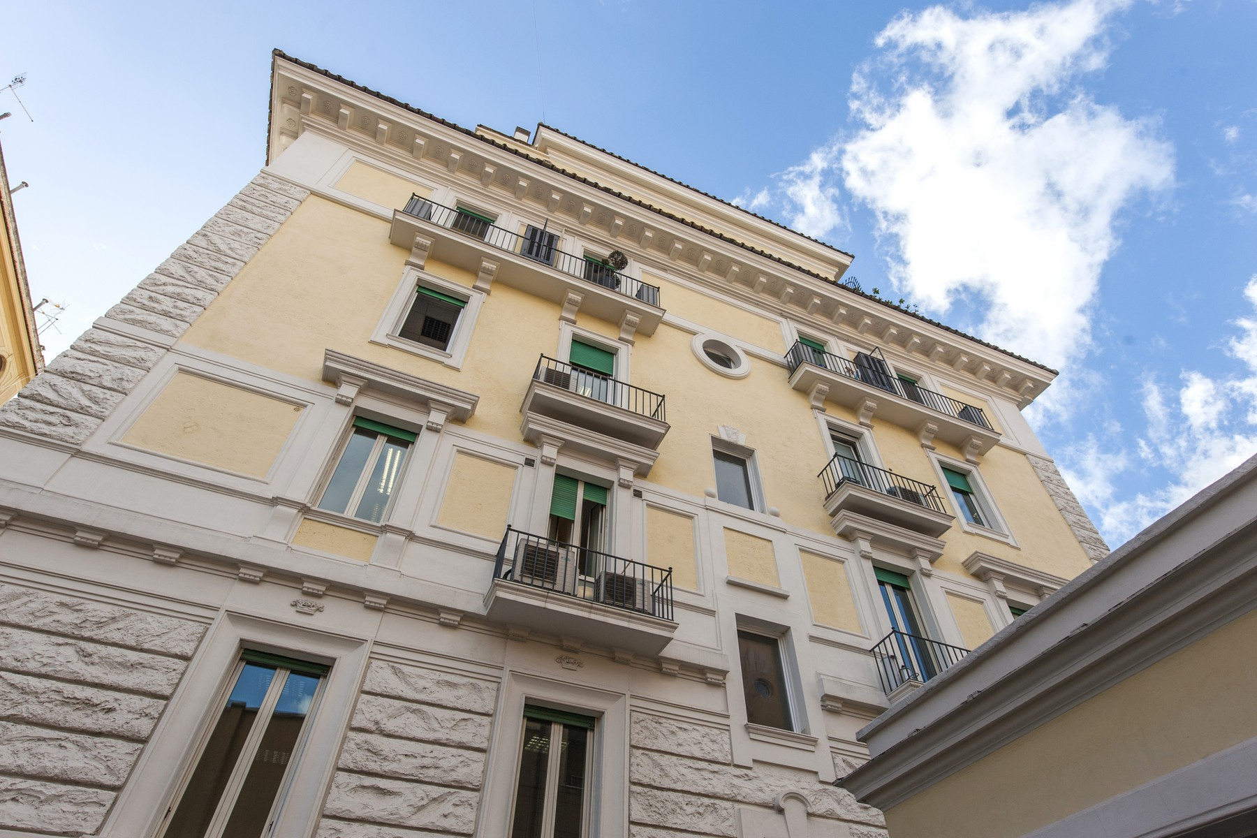 Additional photo for property listing at Executive Offices in the Parioli neighbourhood of Rome Via Antonio Stoppani Rome, Roma 00197 Italia