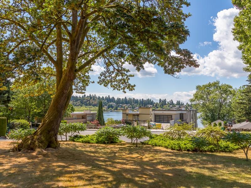 Single Family Home for Sale at Kirkland's Secret Garden Escape 4604 Lake Washington Blvd NE Kirkland, Washington 98033 United States