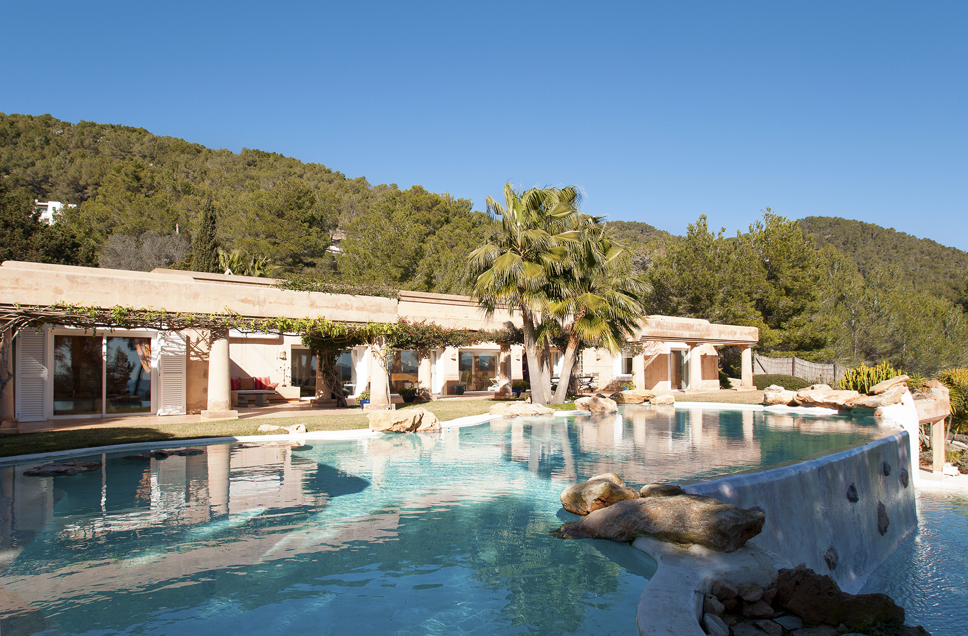 Maison unifamiliale pour l Vente à Luxury Villa And Beautiful Setting In Es Cubells Sant Josep, Ibiza, 07817 Espagne