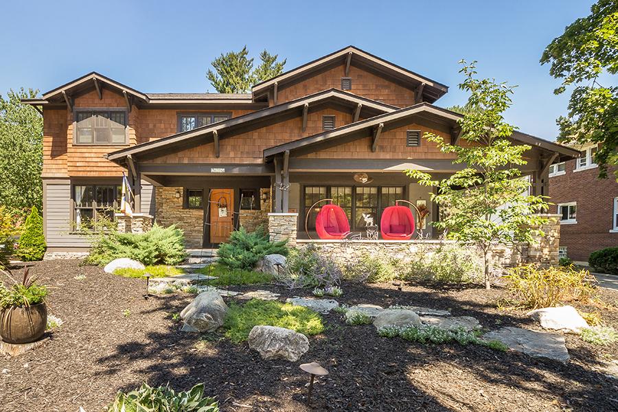 独户住宅 为 销售 在 Royal Oak 128 Mount Vernon Boulevard 罗雅尔奥克, 密歇根州, 48073 美国