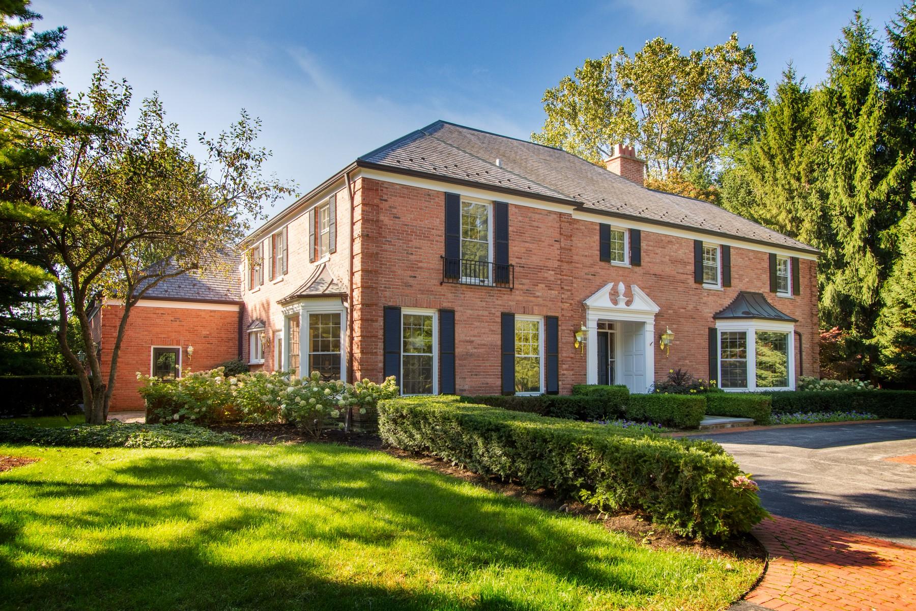 Maison unifamiliale pour l Vente à Gracious Georgian Home 289 E Foster Place Lake Forest, Illinois 60045 États-Unis