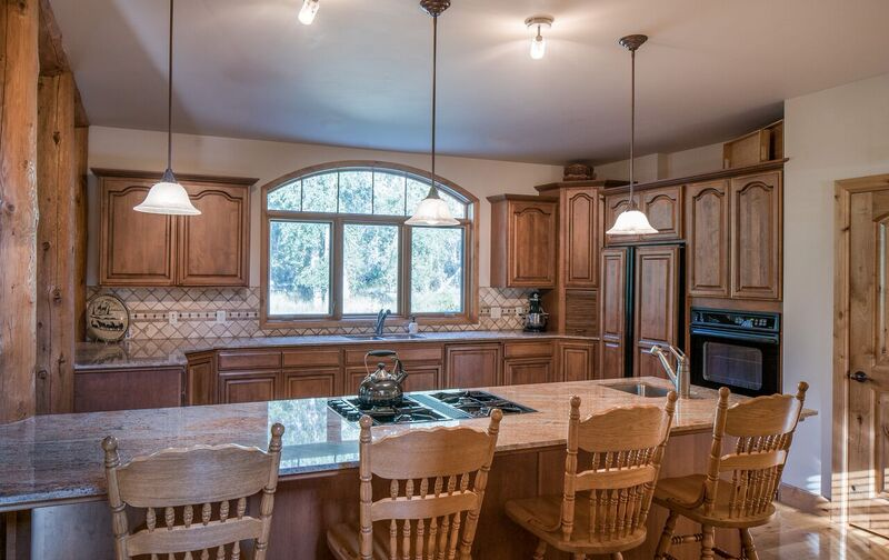 Additional photo for property listing at Newly Listed with River Access 1168 Glen Aspen Drive Bellevue, Idaho 83313 États-Unis