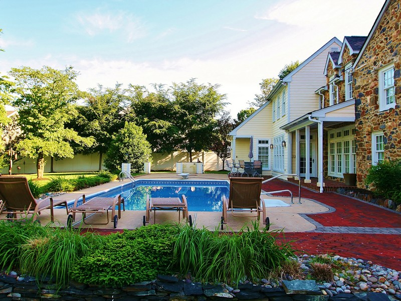 Single Family Home for Sale at Hershey - Duncan House 2116 Duncan Rd Wilmington, Delaware 19808 United States