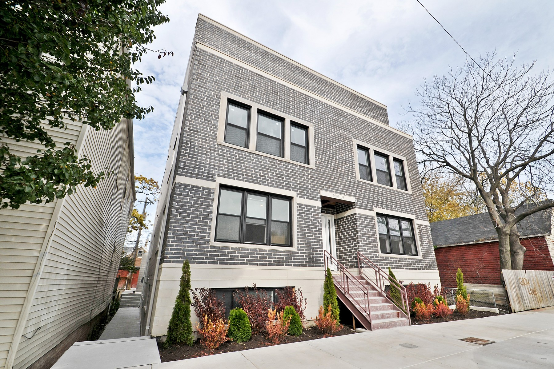 sales property at Pilsen Art-District New Construction