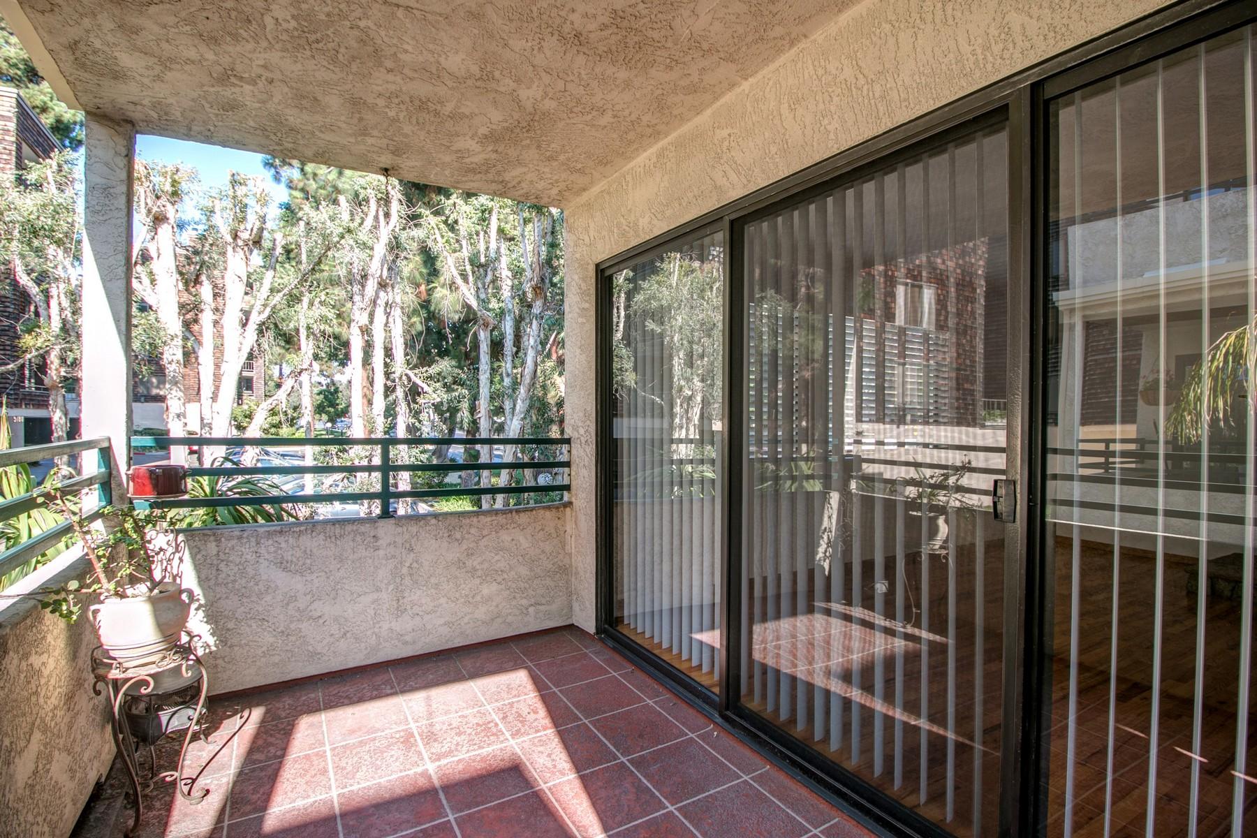 Additional photo for property listing at 1055 Donahue Street, Suite 7  San Diego, Калифорния 92110 Соединенные Штаты