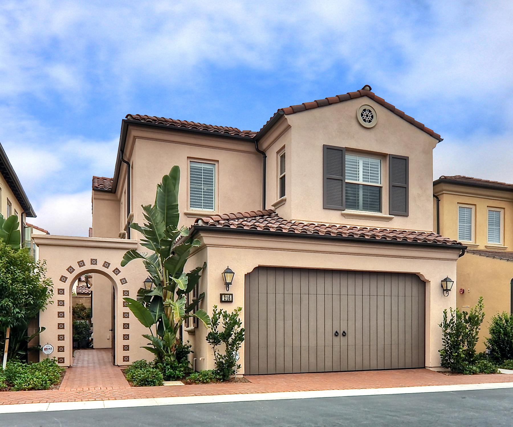 Частный односемейный дом для того Продажа на 216 Bancroft Irvine, Калифорния 92620 Соединенные Штаты