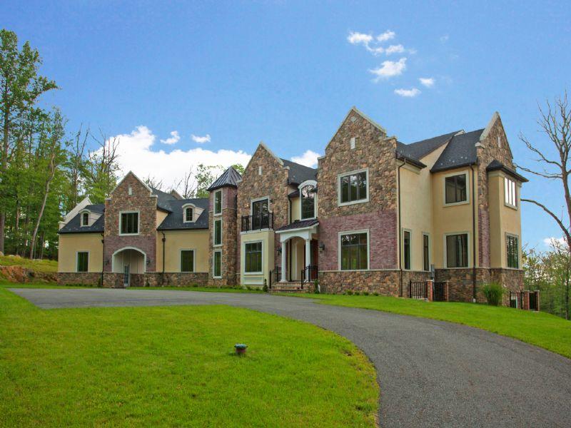 Nhà ở một gia đình vì Bán tại Majestic Manner 216 S. Glen Kinnelon, New Jersey 07405 Hoa Kỳ