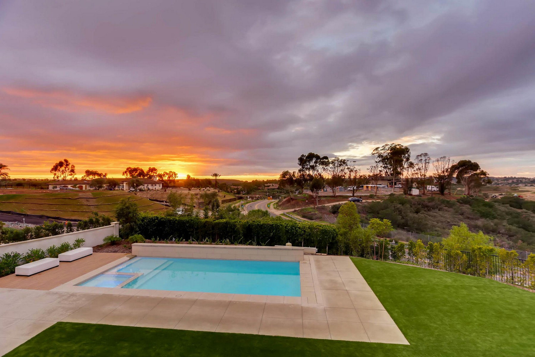 Additional photo for property listing at 6370 Carmel View South Street  San Diego, Californie 92130 États-Unis