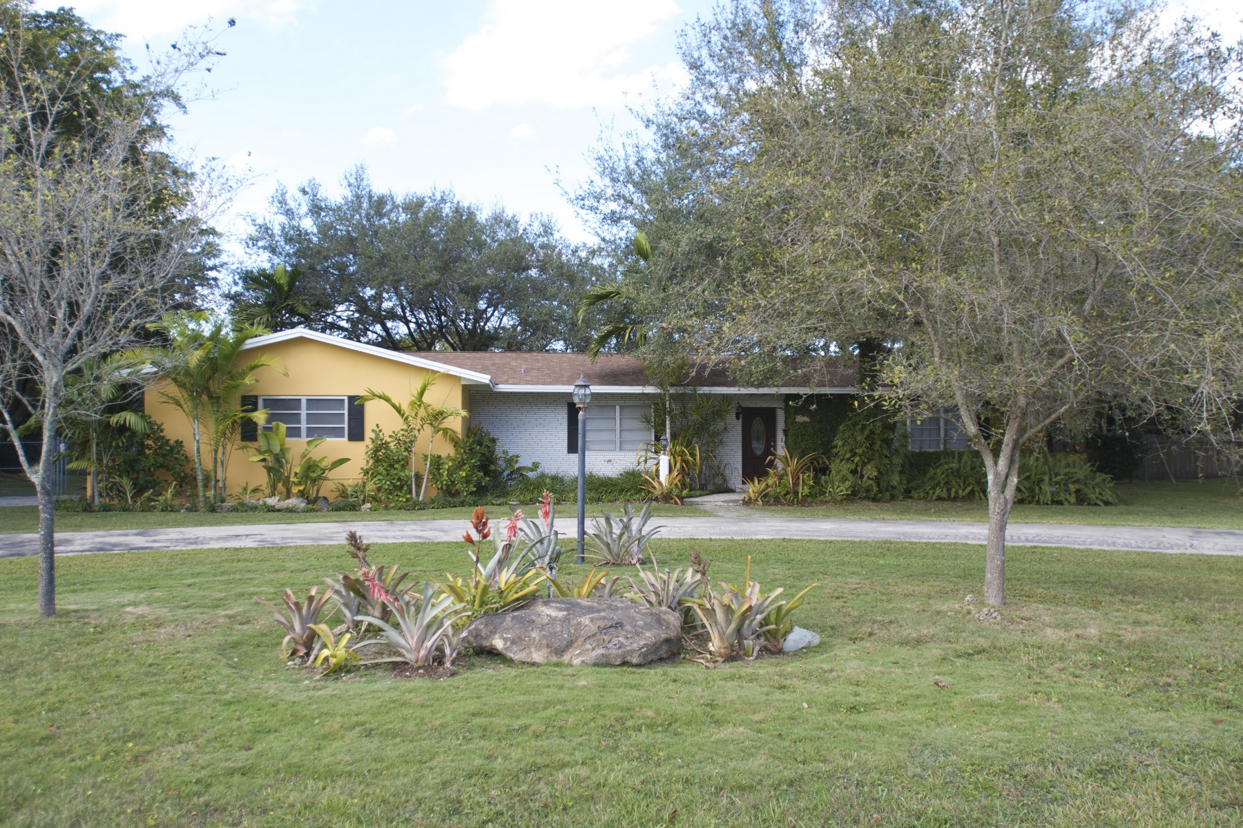 Single Family Home for Sale at 9871 SW 66 ST Miami, Florida 33173 United States