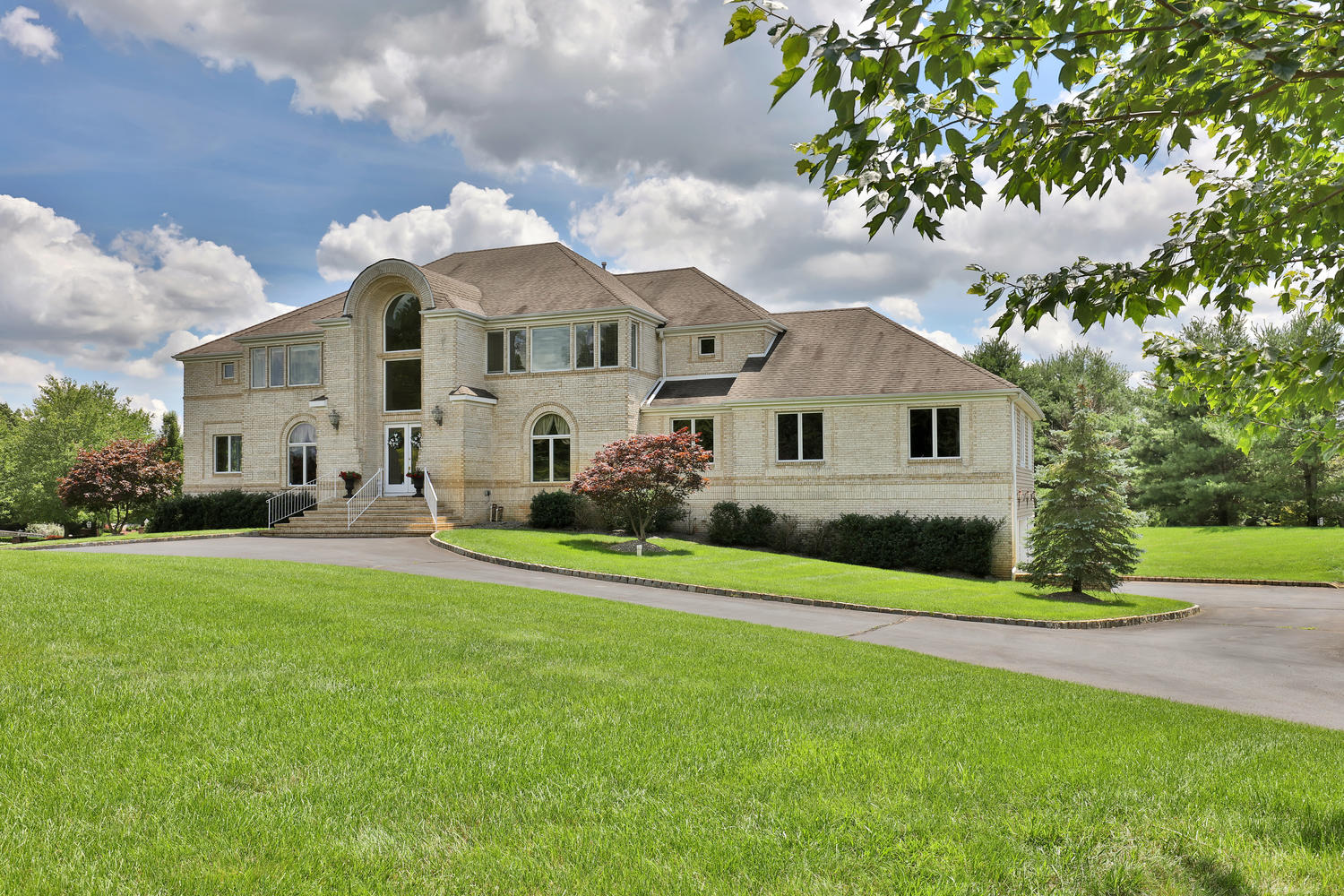 Single Family Home for Sale at Spectacular Custom Colonial 1 Old Stable Way Colts Neck, New Jersey 07722 United States