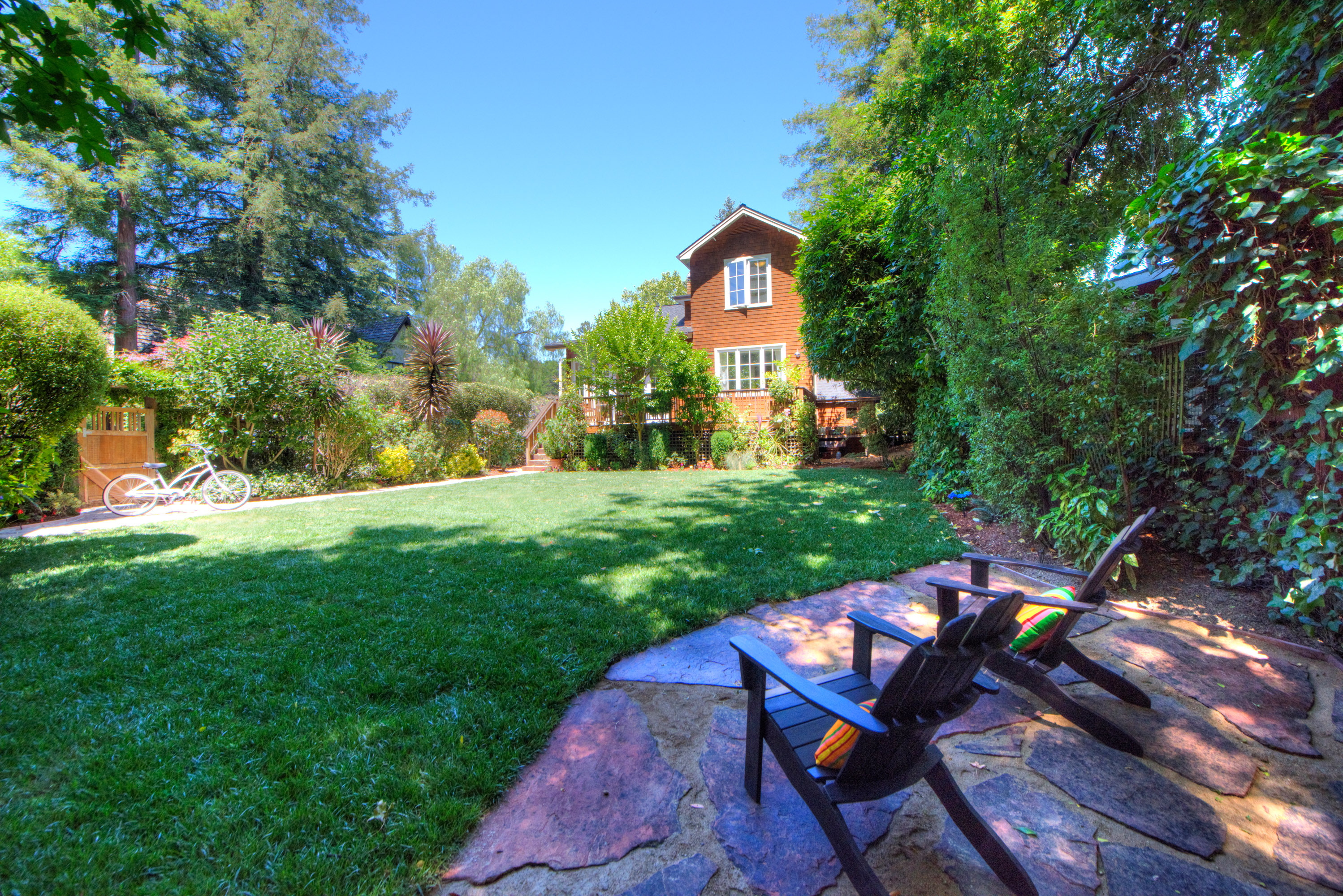 Single Family Home for Sale at Urban Farmhouse in Kentfield! 245 Kent Avenue Kentfield, California, 94904 United States