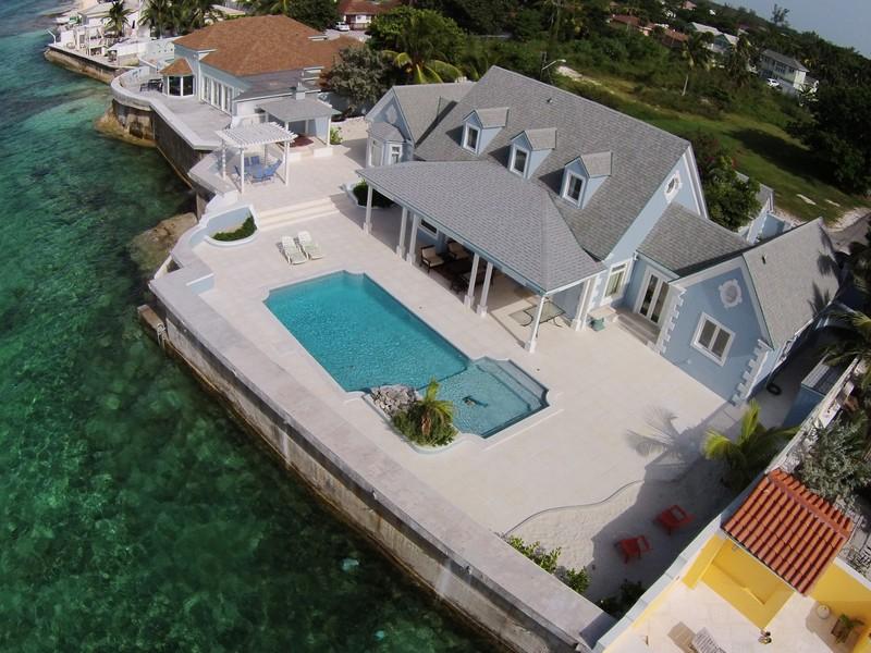 Casa para uma família para Venda às Villa Newport, West Bay Street West Bay Street, Nova Providência / Nassau Bahamas