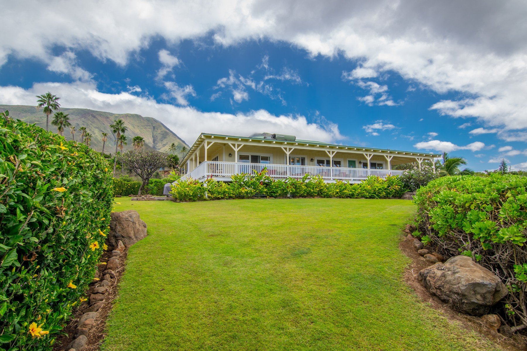Single Family Home for Sale at Enjoy the Launiupoko Lifestyle 170 Paia Pohaku Place, Unit A Lahaina, Hawaii 96761 United States