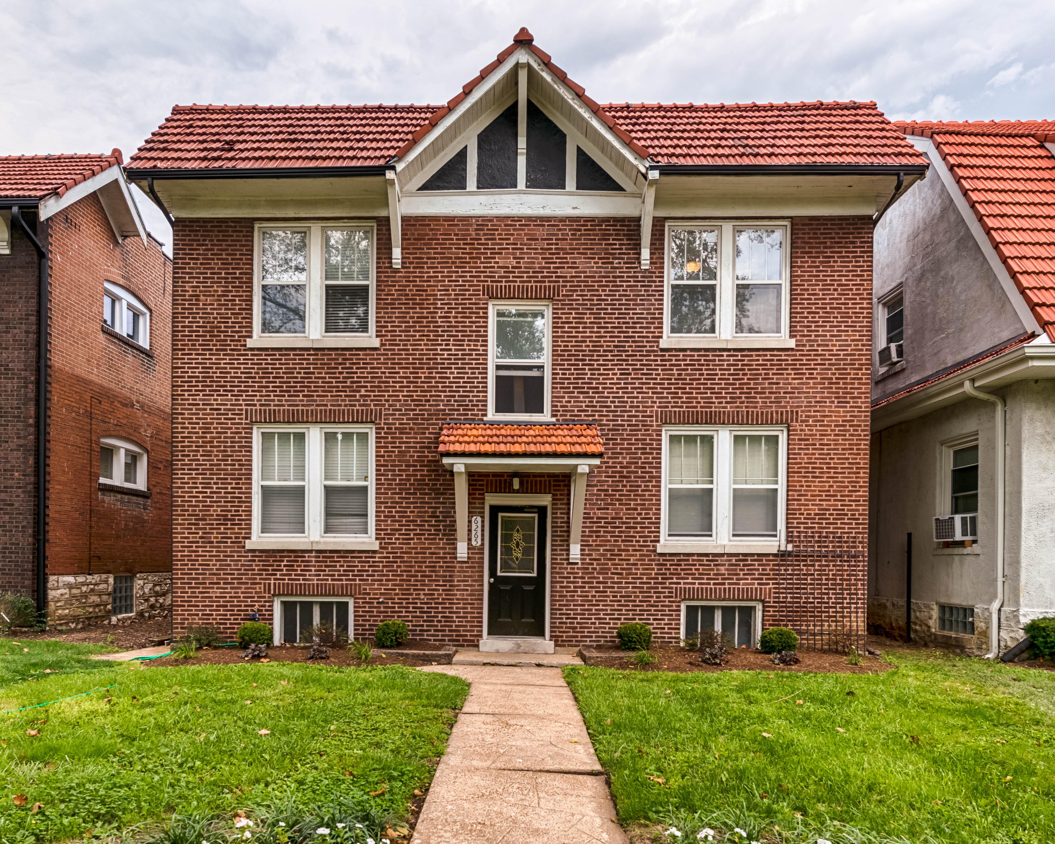 多户住宅 为 销售 在 Cates Ave 6265 Cates Ave St. Louis, 密苏里州 63130 美国