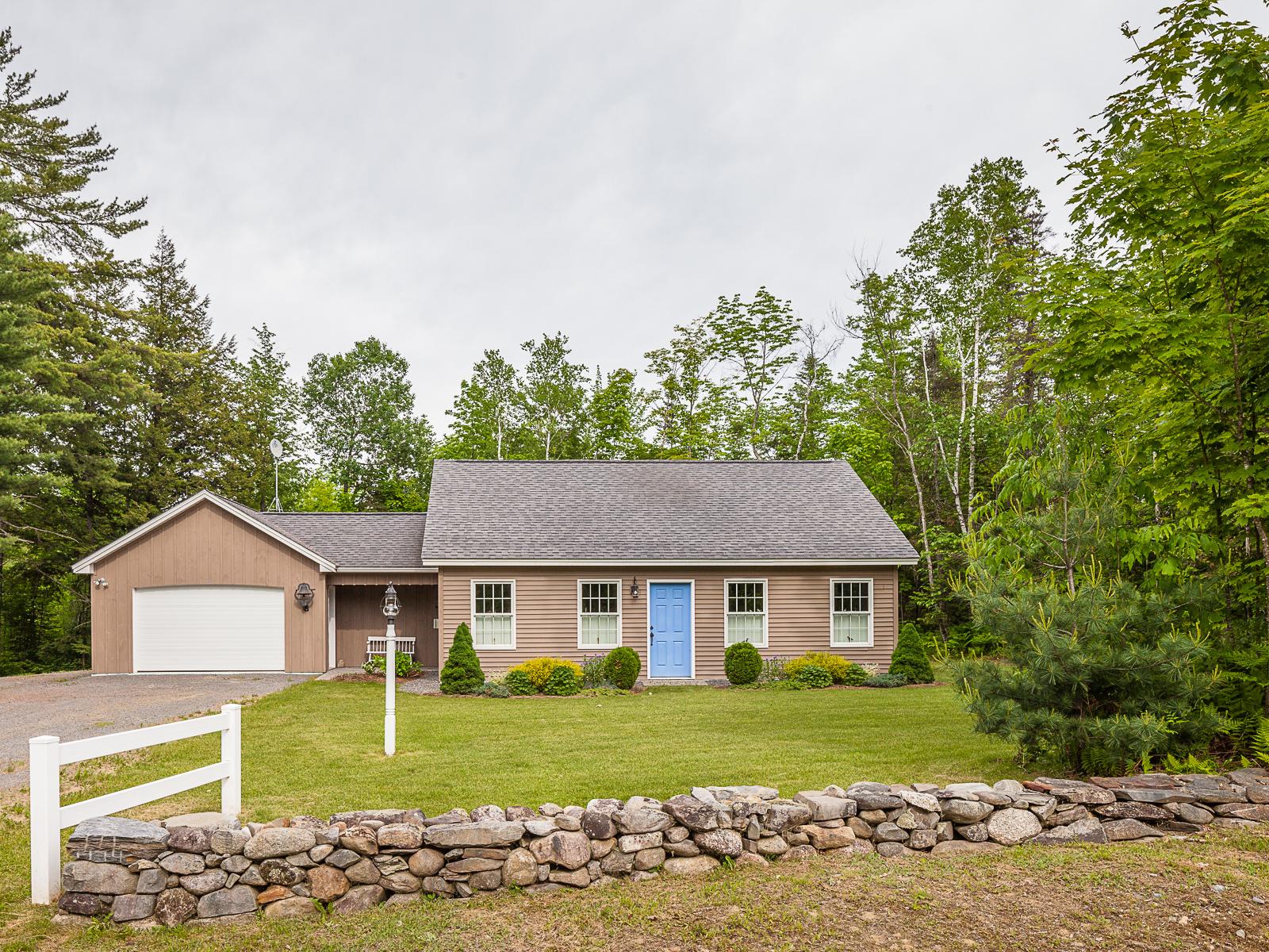 Einfamilienhaus für Verkauf beim 200 New Sharon Rd 200 New Sharon Road Industry, Maine 04938 Vereinigte Staaten