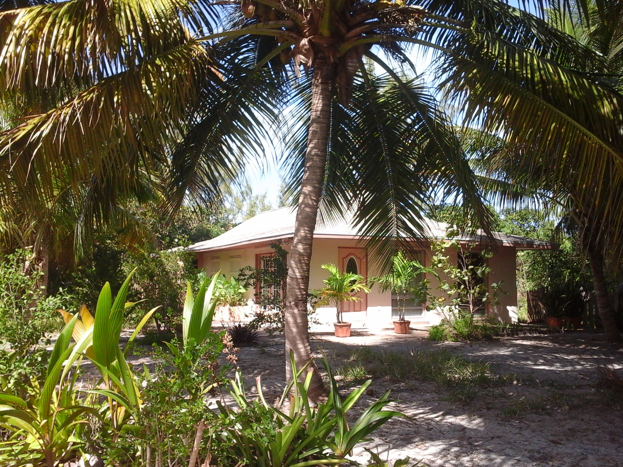 Single Family Home for Sale at Brigantine Bungalow Treasure Cay, Abaco Bahamas
