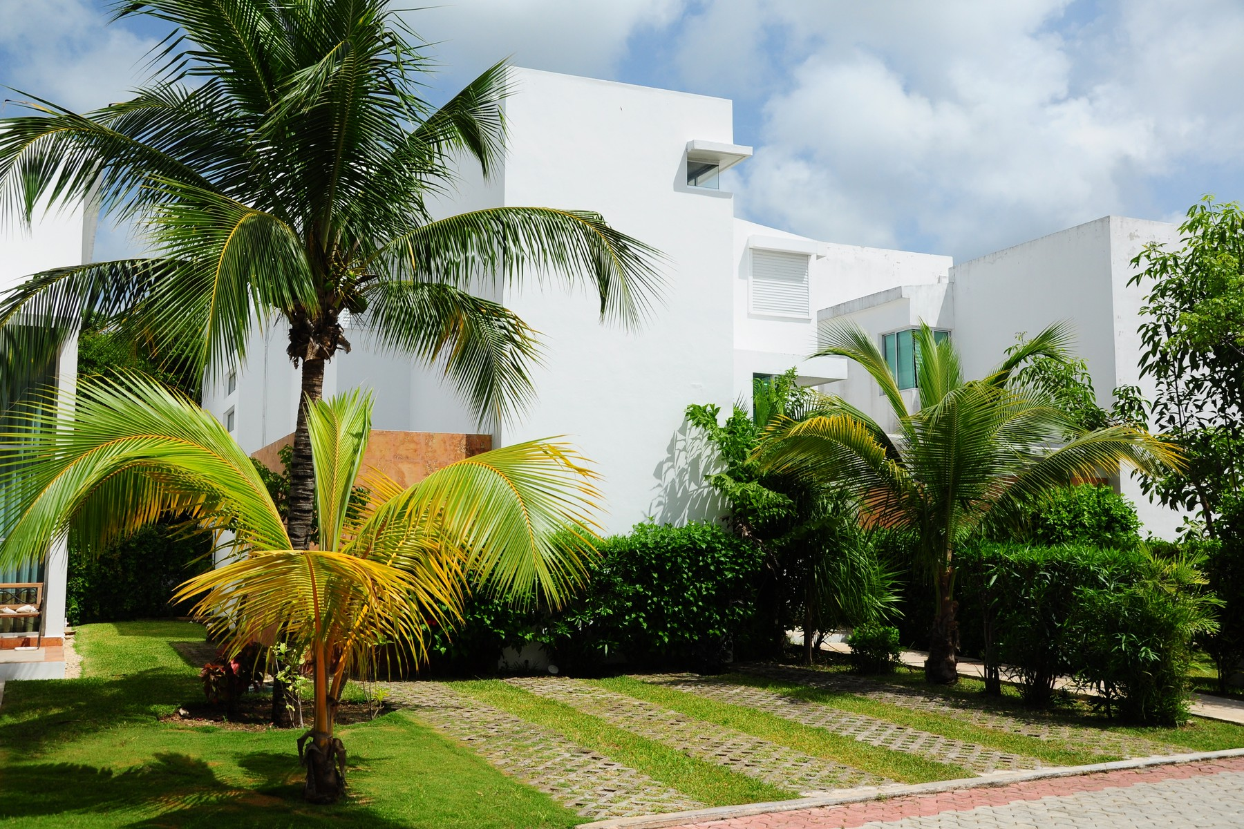 Single Family Home for Sale at CASA RIOJA 22 Rioja Playacar Playa Del Carmen, Quintana Roo 77717 Mexico