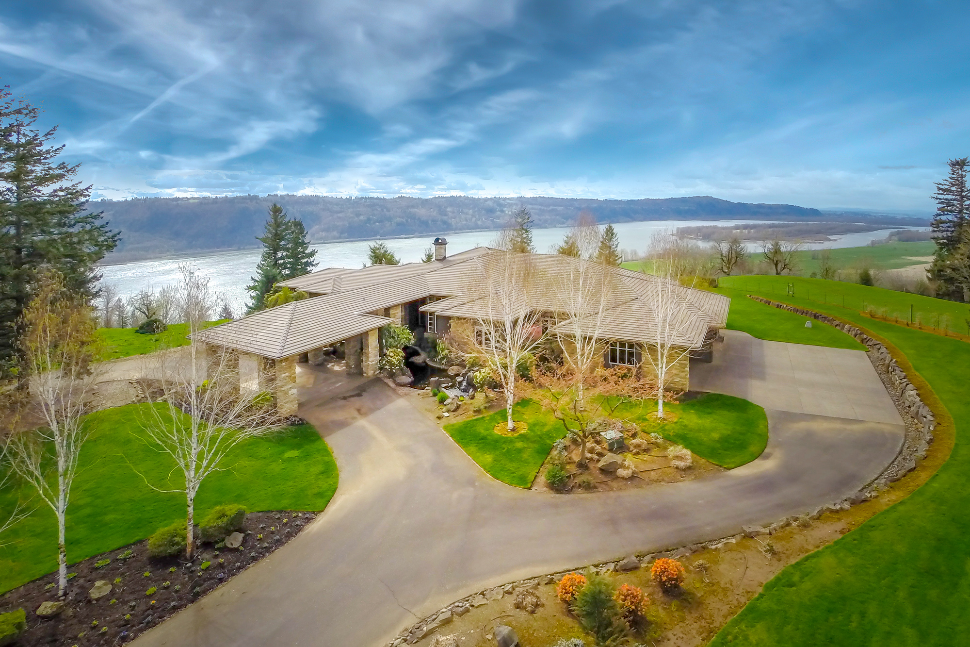 Property For Sale at Columbia River Gorge Retreat
