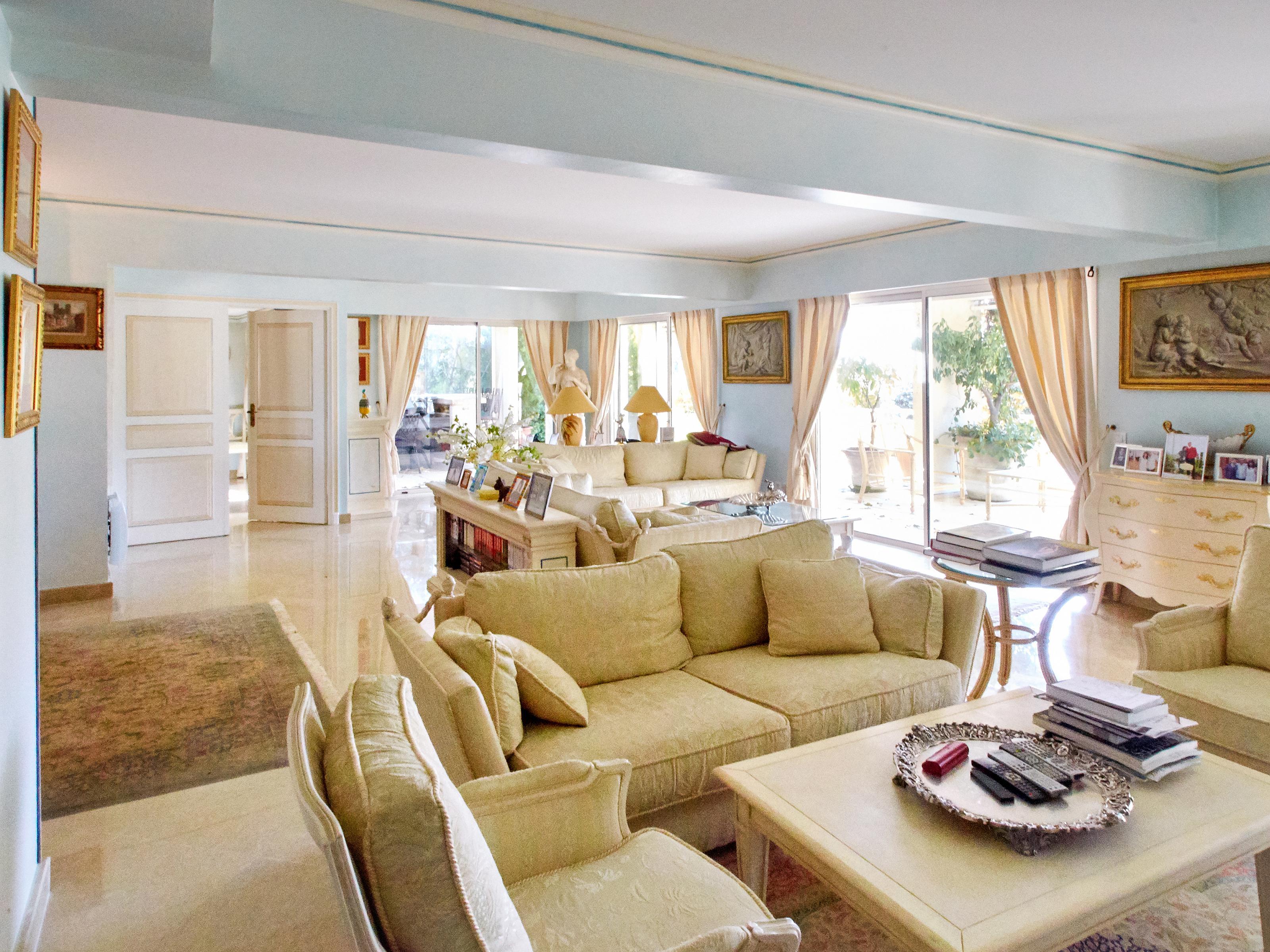 Nhà ở một gia đình vì Bán tại Duplex -Villa Apartment Cannes, Provence-Alpes-Cote D'Azur 06110 Pháp