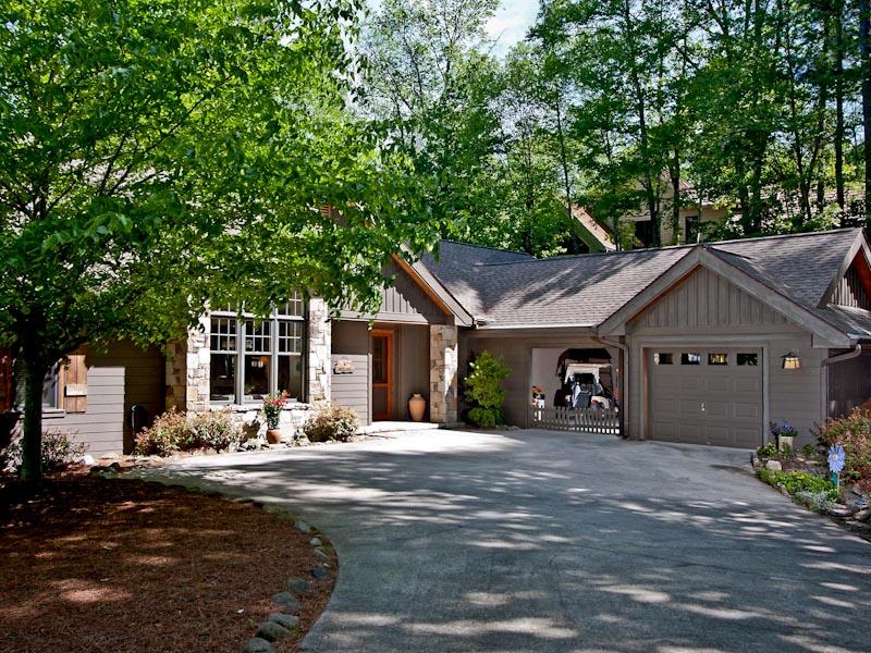 獨棟家庭住宅 為 出售 在 11 Bee Tree Lane Highlands, 北卡羅來納州 28741 美國